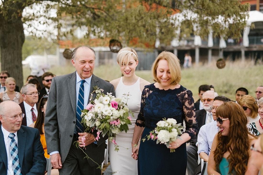 Marryland Weddings Earthy Neutrals Wedding at Chesapeake Bay Foundation Victoria Selman Photography_1002.jpg
