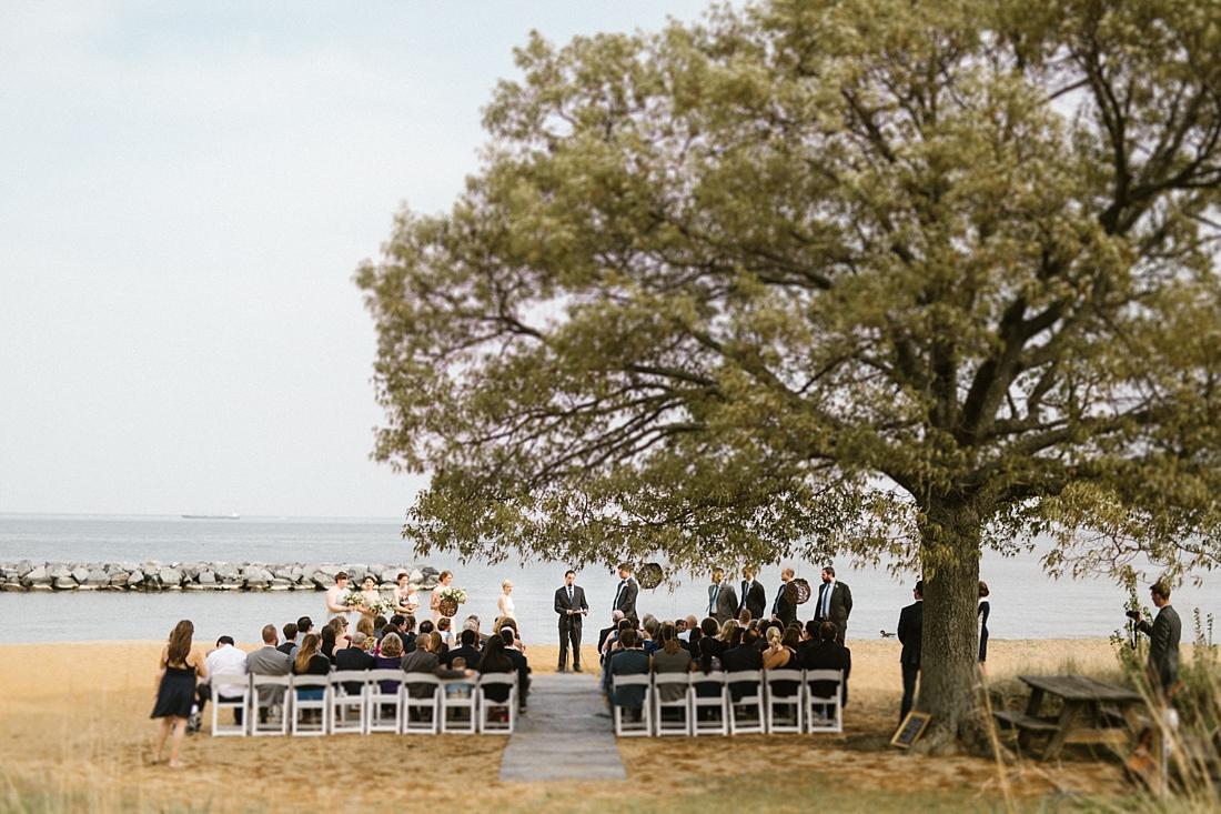 Marryland Weddings Earthy Neutrals Wedding at Chesapeake Bay Foundation Victoria Selman Photography_1003.jpg