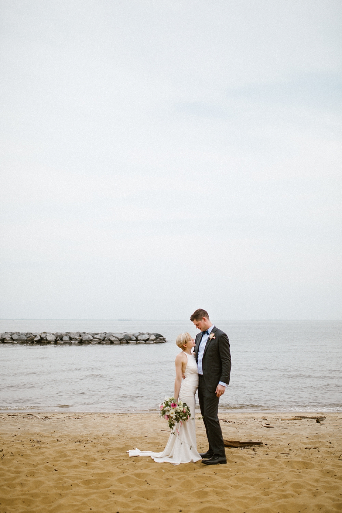 Marryland Weddings Earthy Neutrals Wedding at Chesapeake Bay Foundation Victoria Selman Photography_1019.jpg