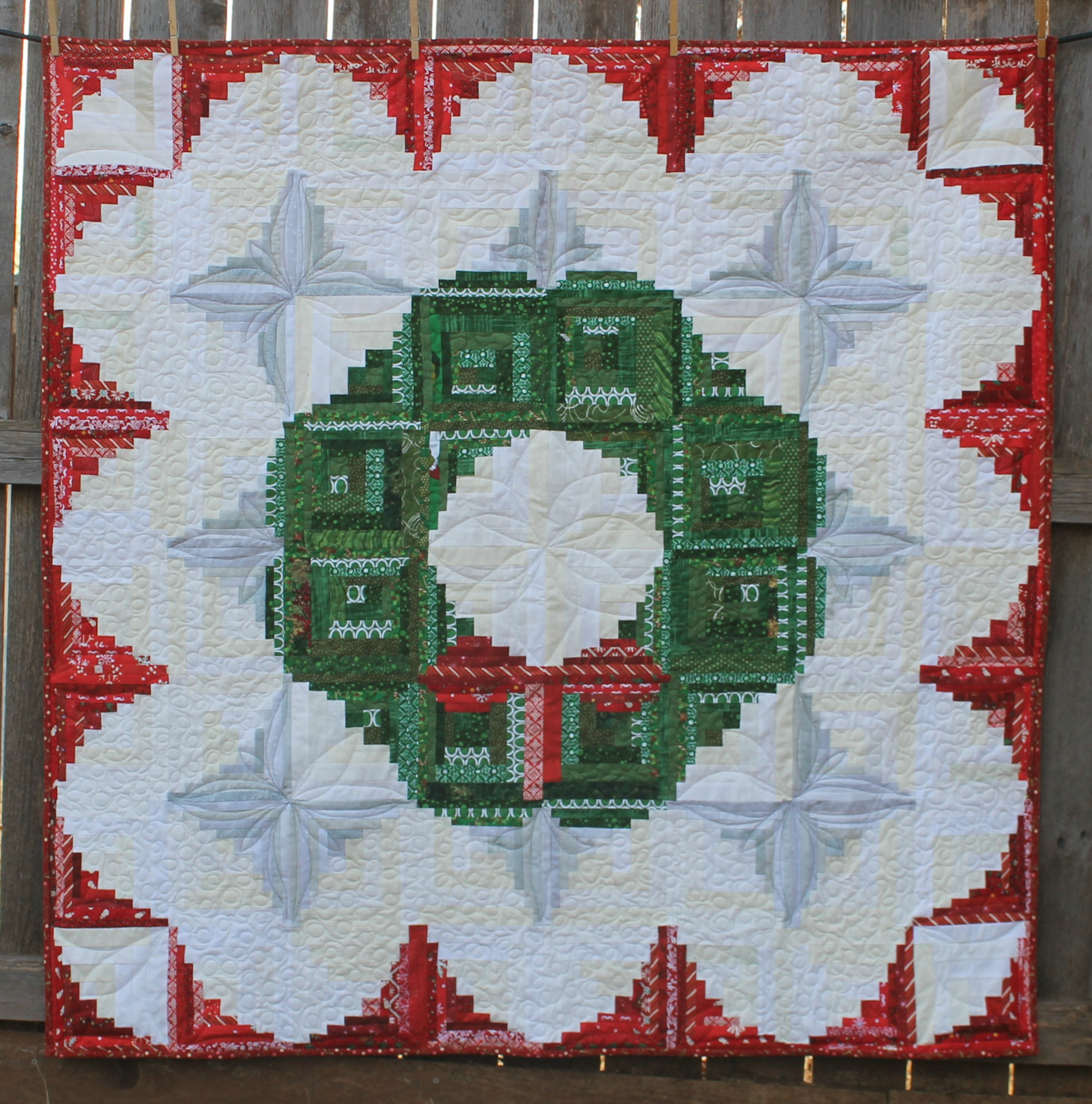 Curved Log Cabin Wreath A Finished Quilt Katie Mae Quilts