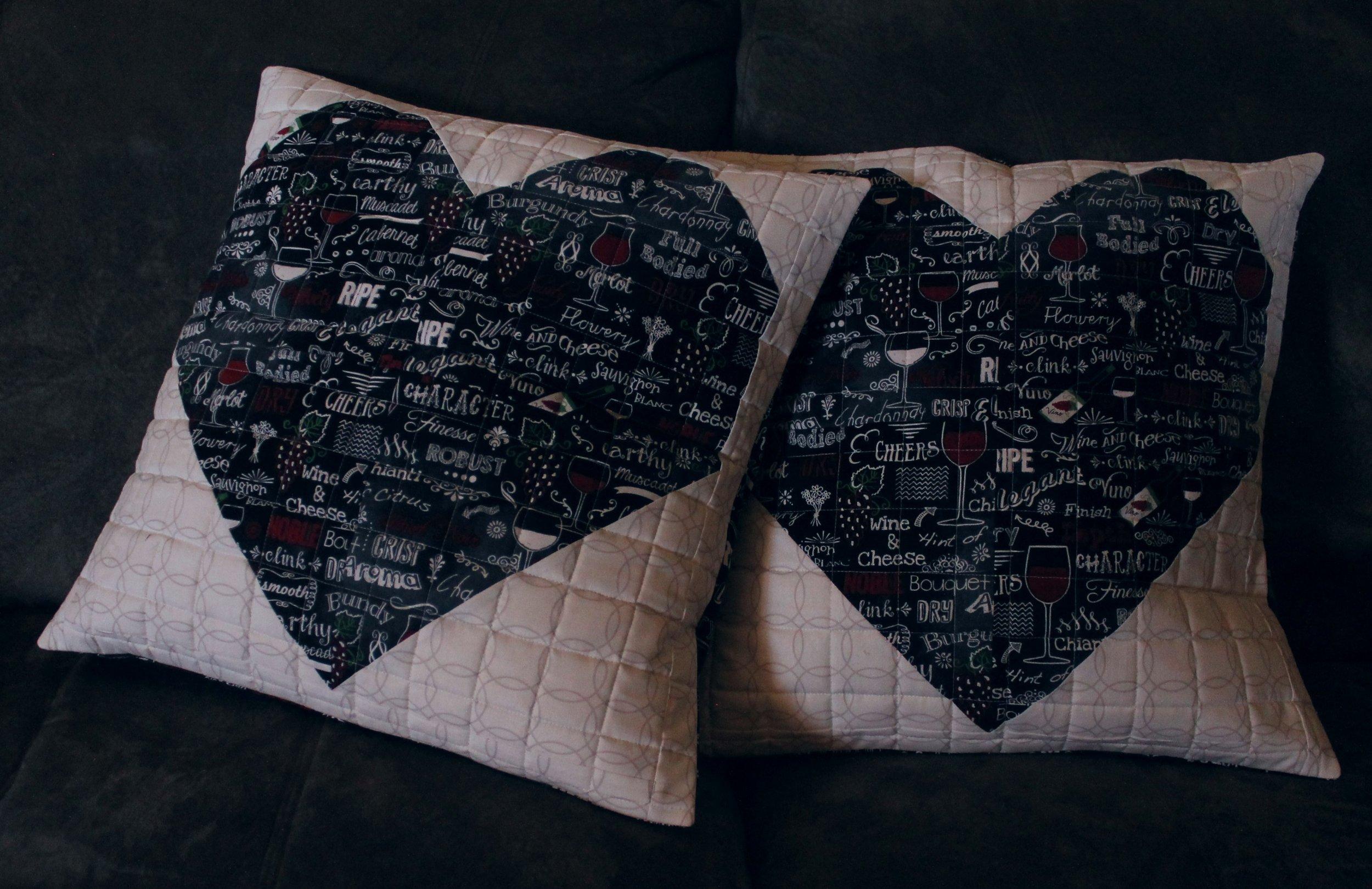 wine heart pillow9.jpg
