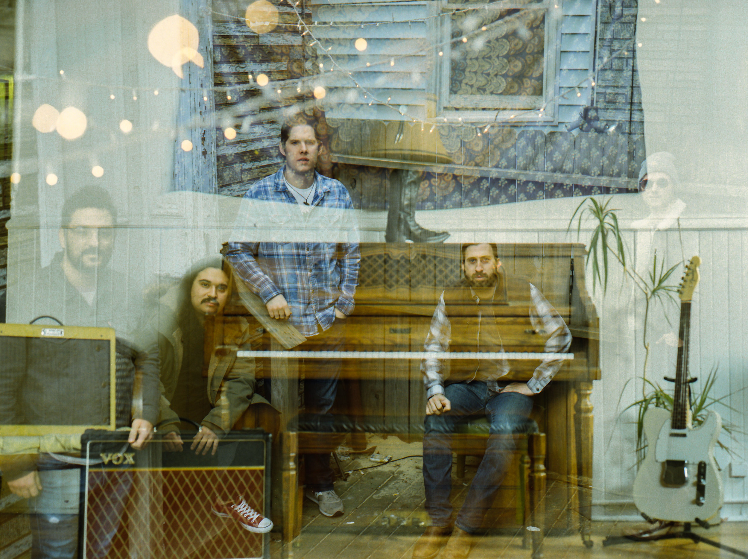 AMERICAN GRIZZLY - Rock & Roll / Psychedelic Indie-Folk Rock
