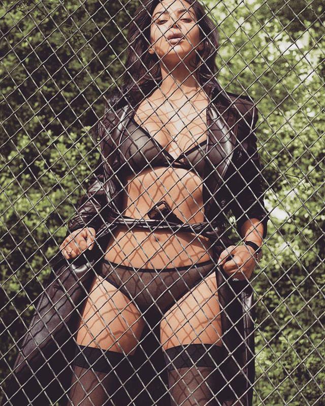 ea90035ebace65da904f0dbb21531366--kim-kardashian-photoshoot-kardashian-style.jpg