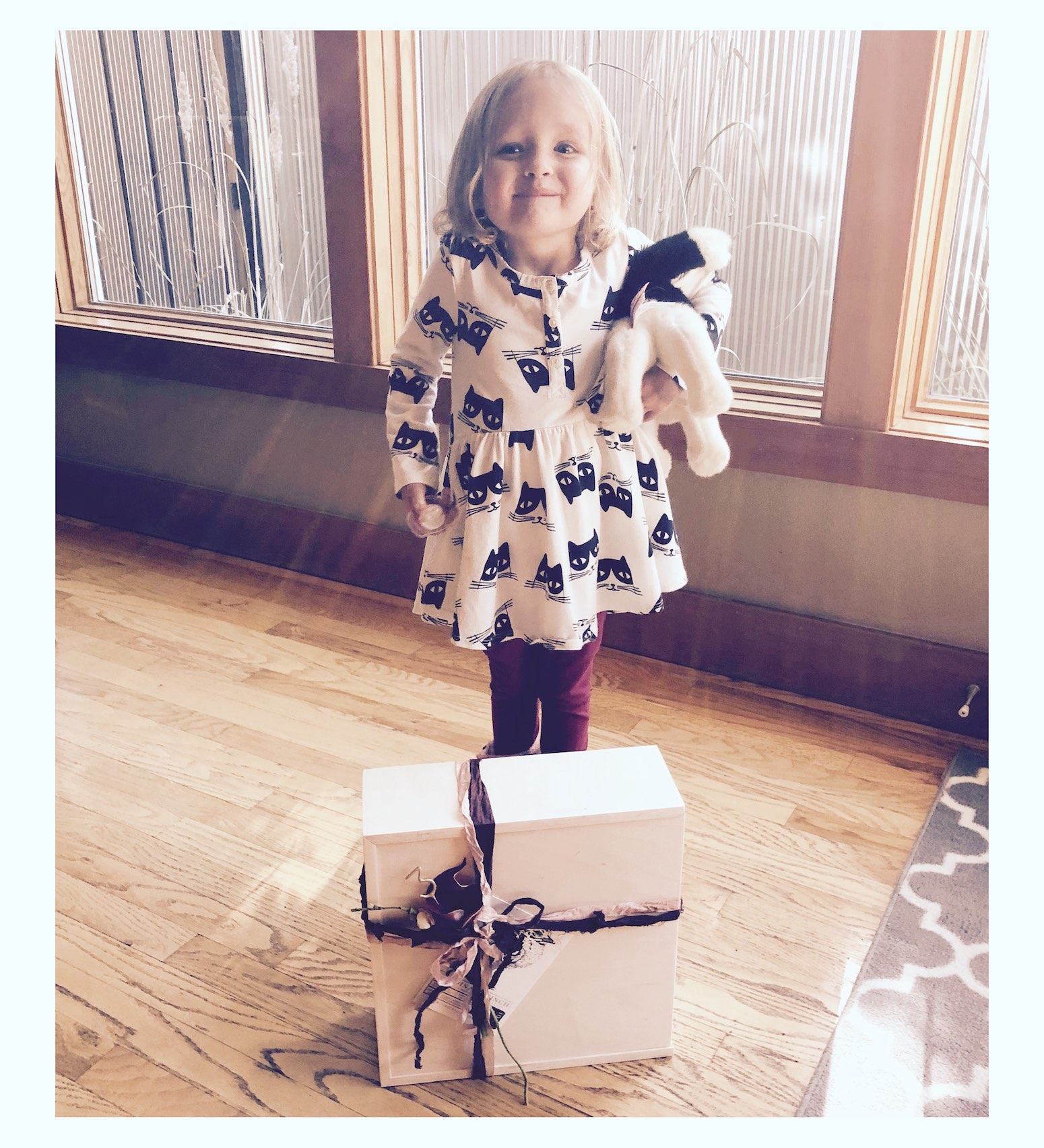 Eva_Robin_Gift_Box.jpg