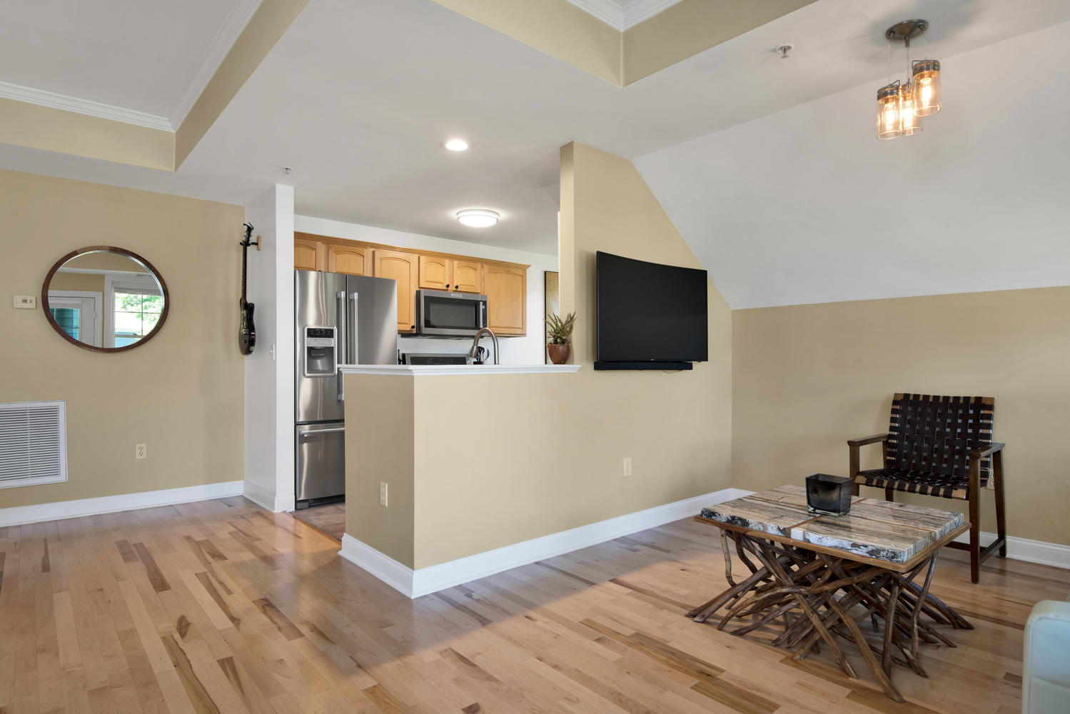 7 Camperdown Elm Dr-large-011-4-KitchenLiving Room-1499x1000-72dpi.jpg