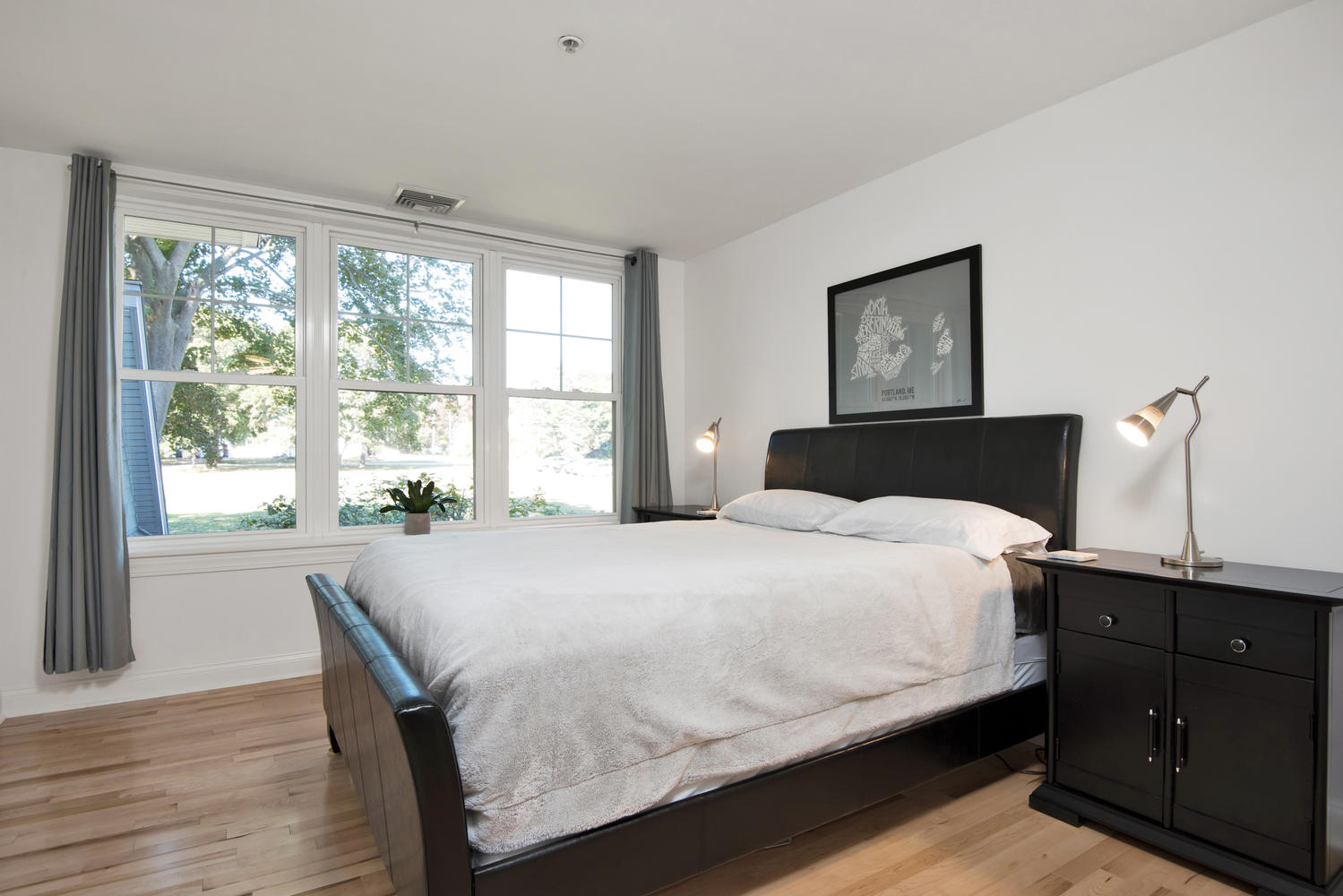 7 Camperdown Elm Dr-large-021-12-Bedroom-1499x1000-72dpi.jpg