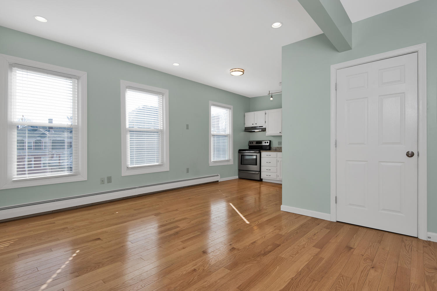 65 Sherman St Unit 12 Portland-large-007-10-Living Room-1499x1000-72dpi.jpg