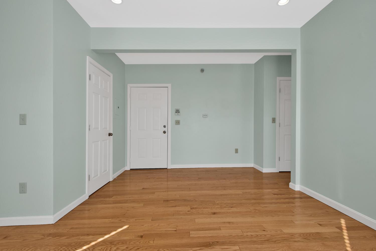 65 Sherman St Unit 12 Portland-large-011-13-Living Room-1499x1000-72dpi.jpg