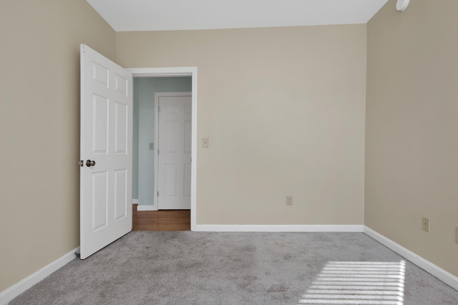 65 Sherman St Unit 12 Portland-large-015-14-Bedroom 1-1499x1000-72dpi.jpg