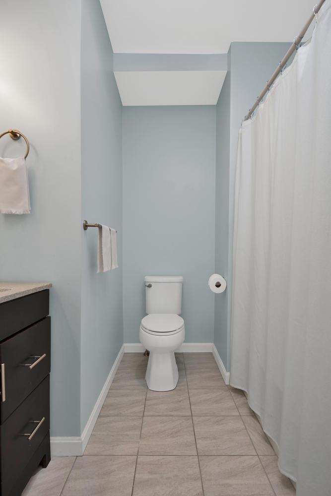 65 Sherman St Unit 12 Portland-large-019-2-Bathroom-668x1000-72dpi.jpg