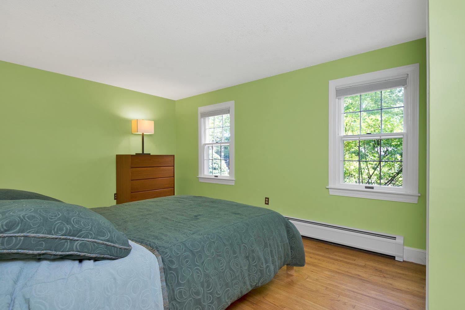 16 Applegate Ln Falmouth ME-large-019-27-Master Bedroom-1499x1000-72dpi.jpg