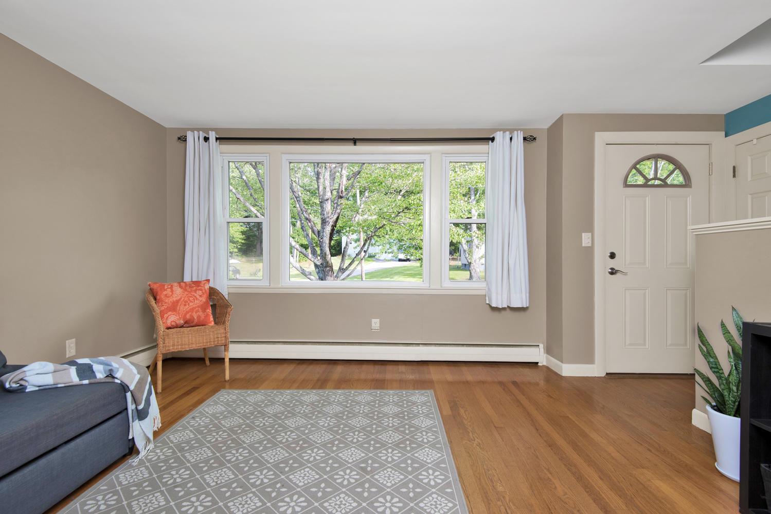 105 Rowe Ave Portland ME 04102-large-005-15-Living Room-1499x1000-72dpi.jpg