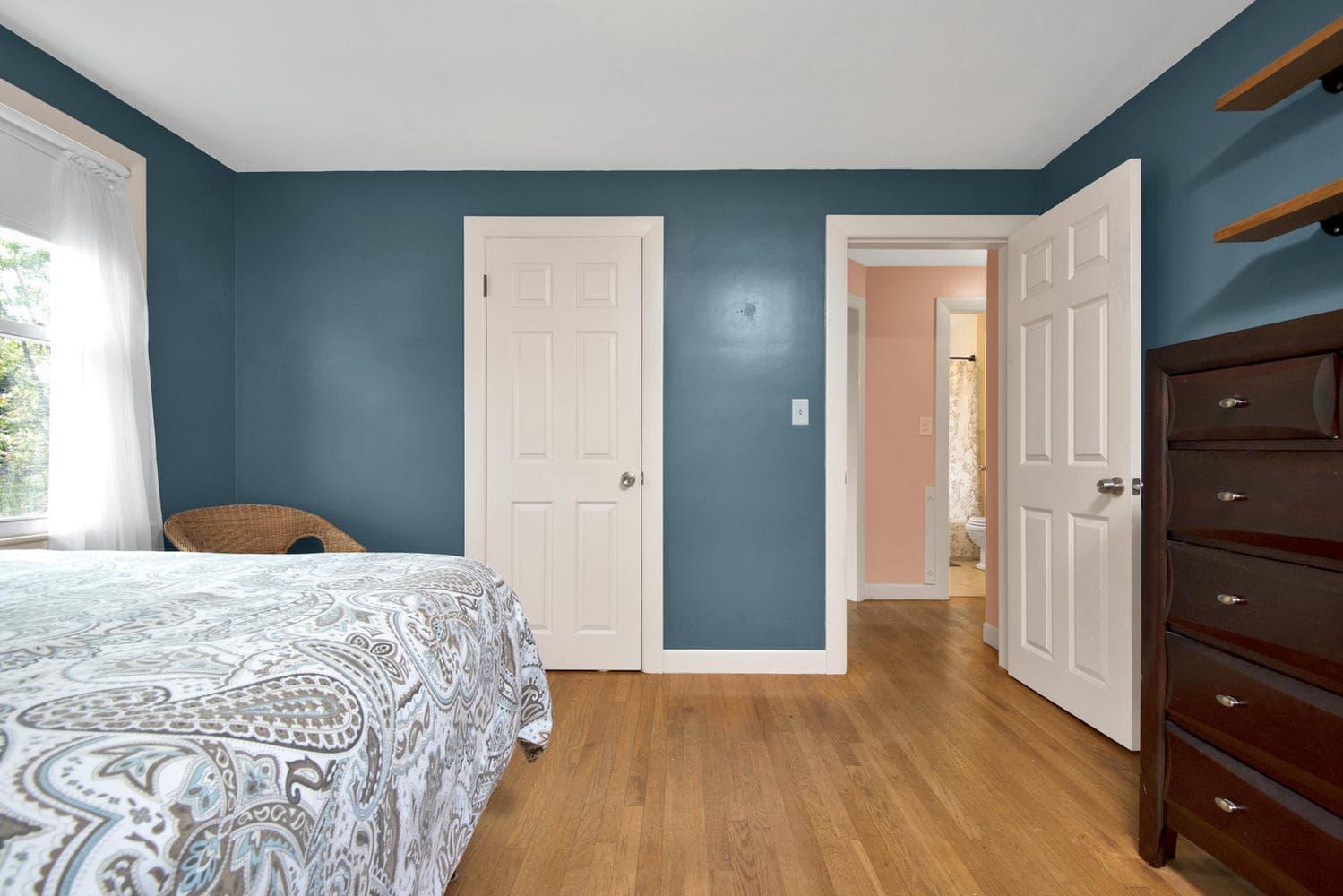 105 Rowe Ave Portland ME 04102-large-013-20-Bedroom 1-1499x1000-72dpi.jpg