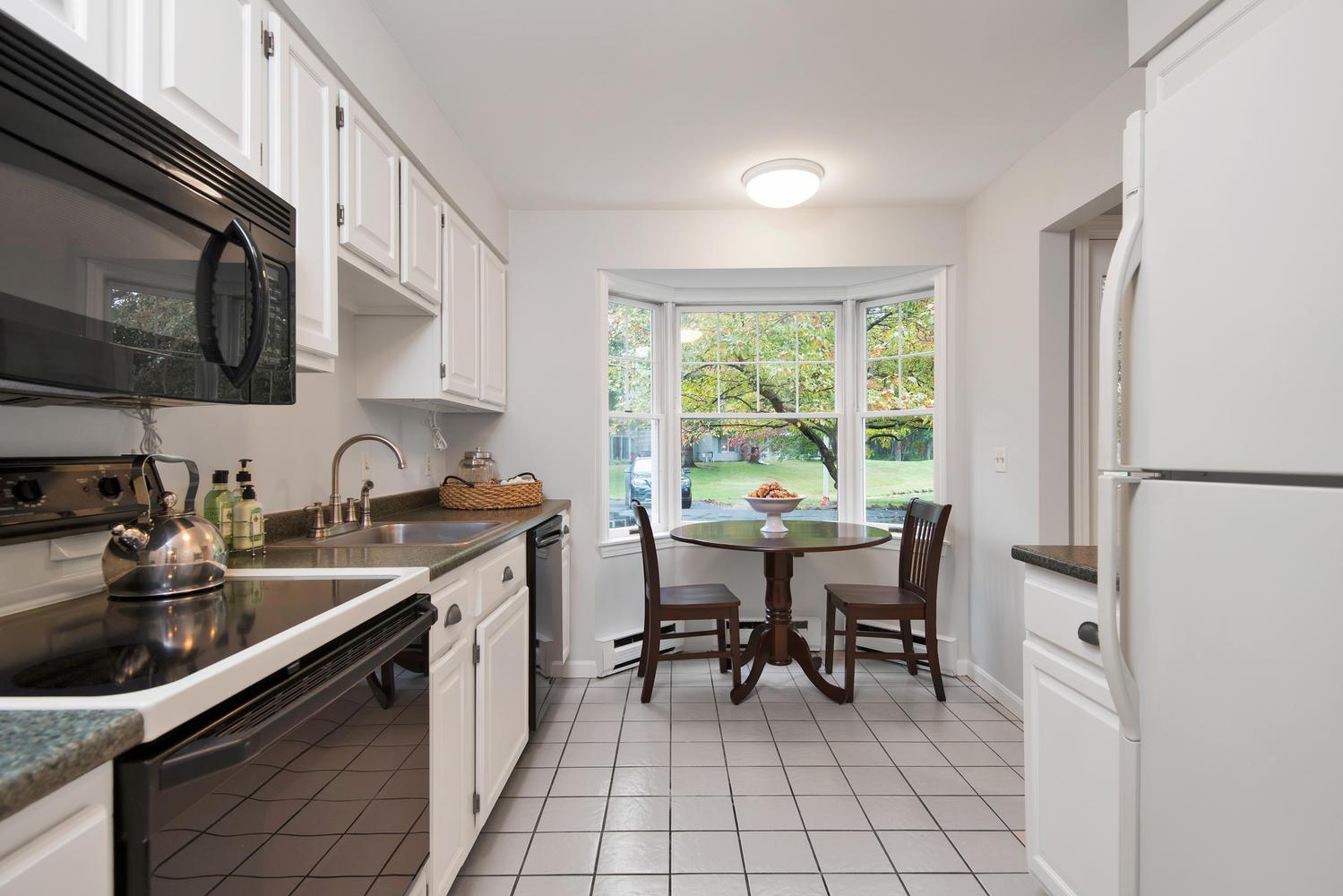 11 Crestfield Terrace Portland-large-013-4-Kitchen-1499x1000-72dpi_1.jpg
