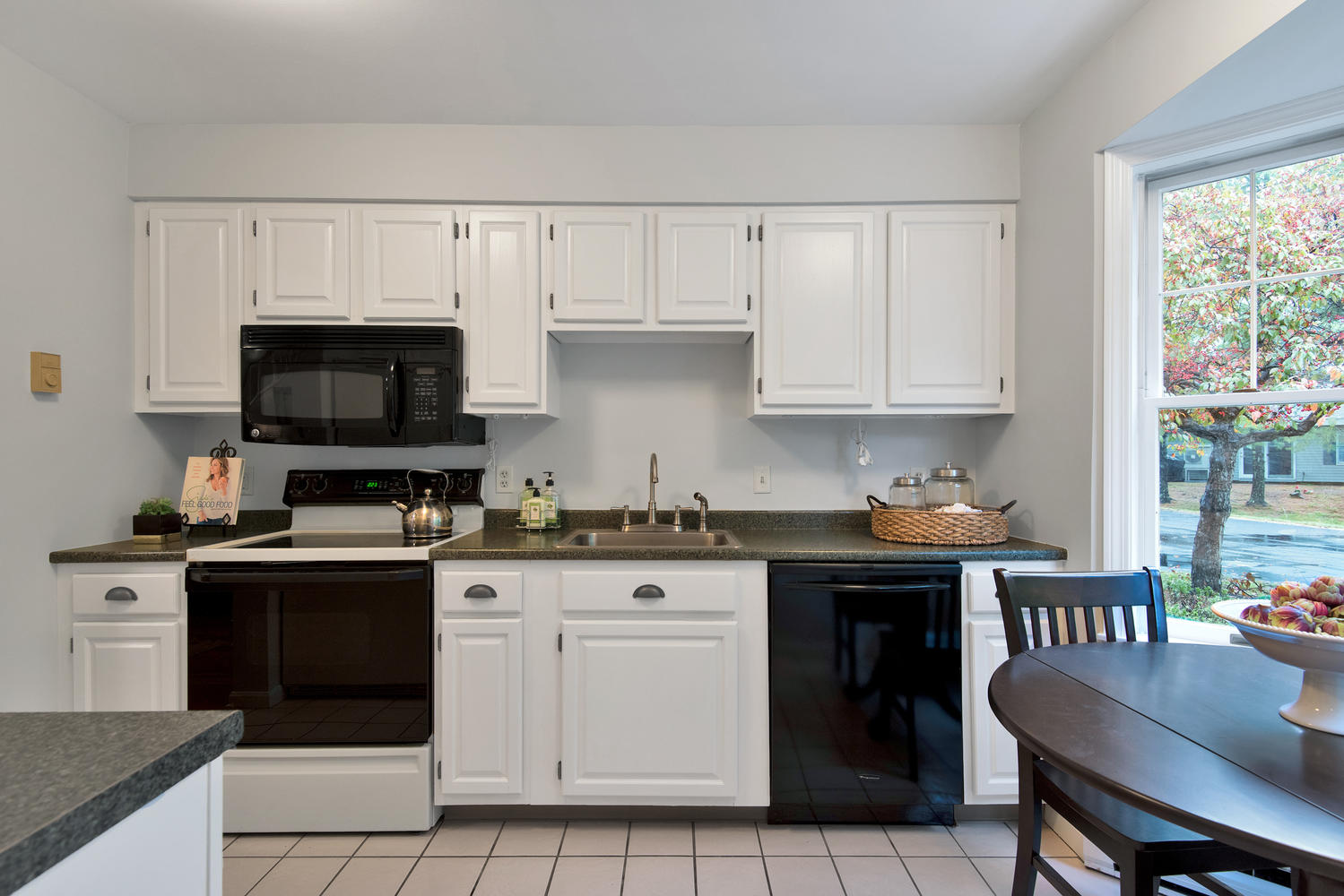 11 Crestfield Terrace Portland-large-015-16-Kitchen-1499x1000-72dpi_1.jpg