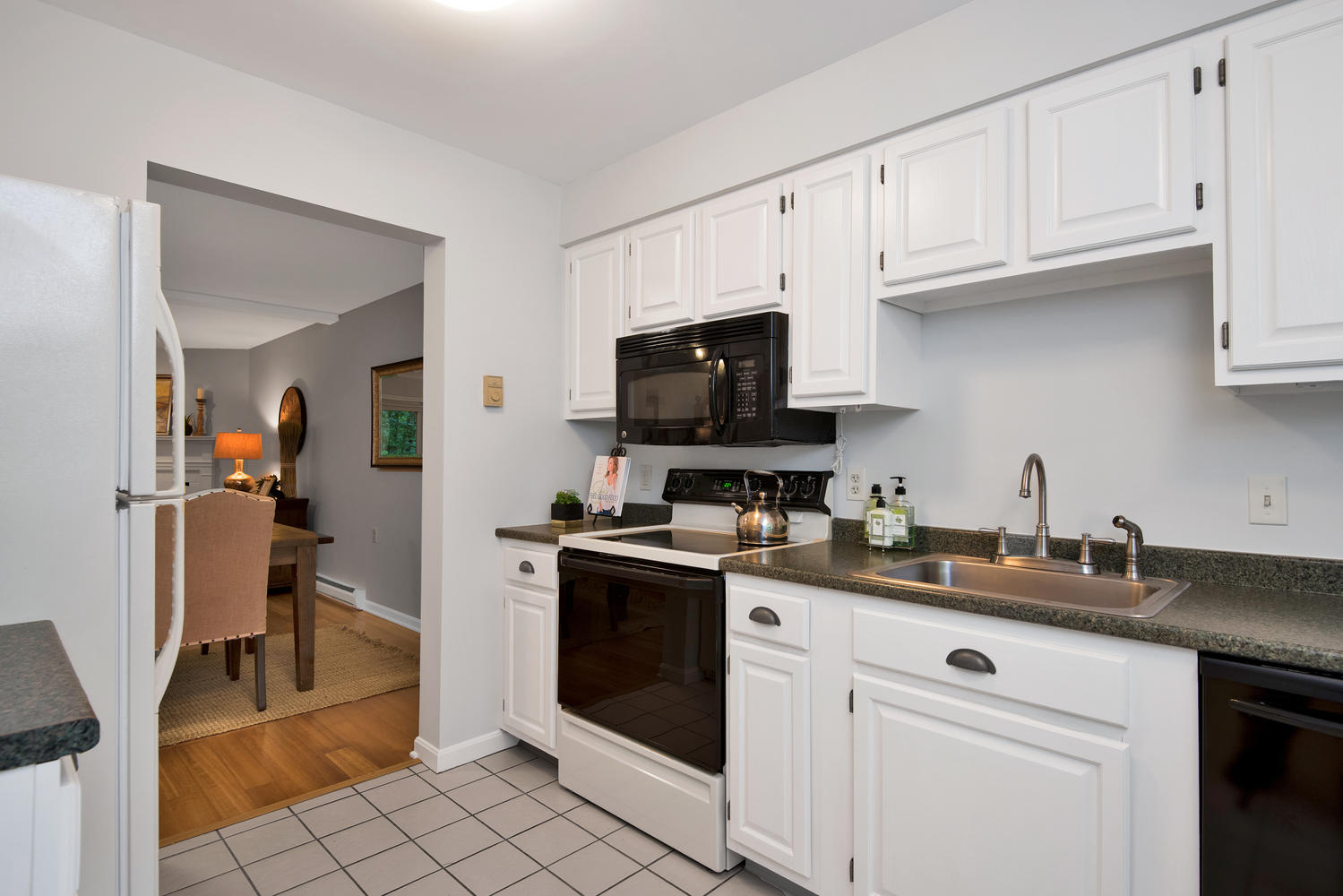 11 Crestfield Terrace Portland-large-016-1-Kitchen-1499x1000-72dpi_1.jpg