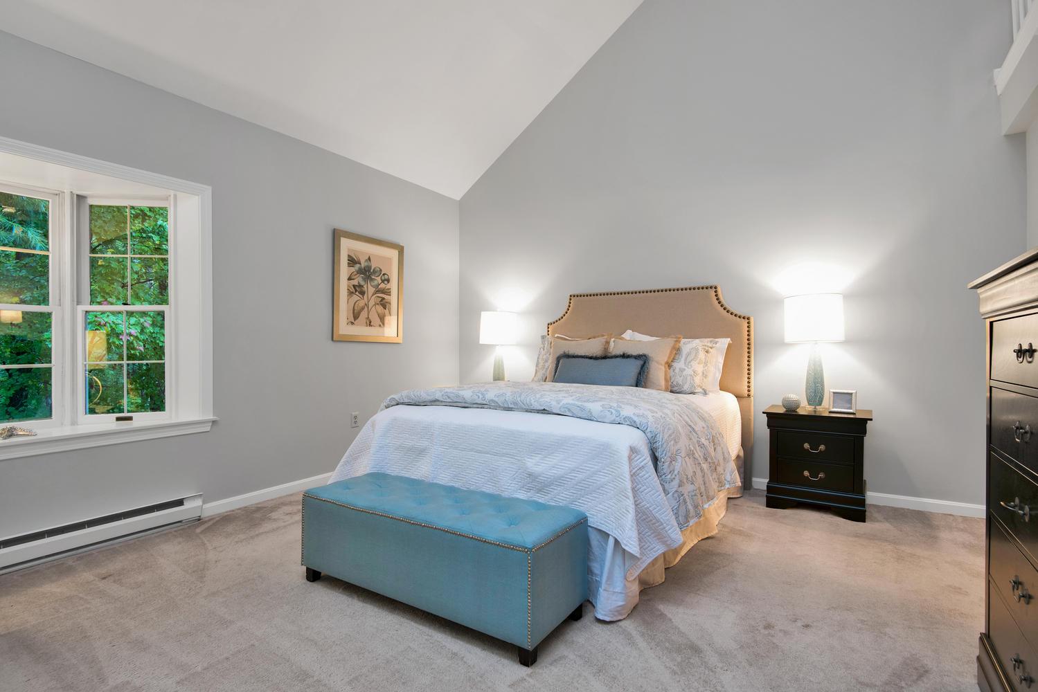 11 Crestfield Terrace Portland-large-020-13-Master Bedroom-1499x1000-72dpi_1.jpg