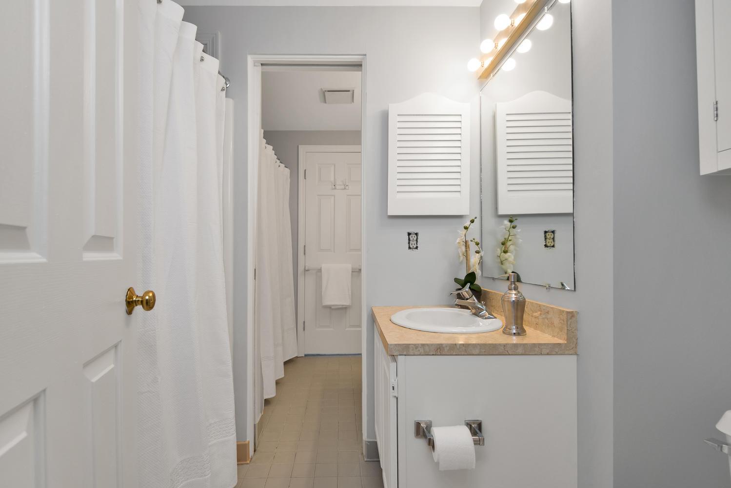 11 Crestfield Terrace Portland-large-023-17-Master Bedroom Ensuite-1499x1000-72dpi_1.jpg