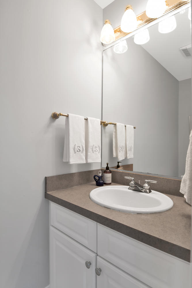 26 Titcomb Field Rd North-large-021-6-Powder Room-668x1000-72dpi_1.jpg
