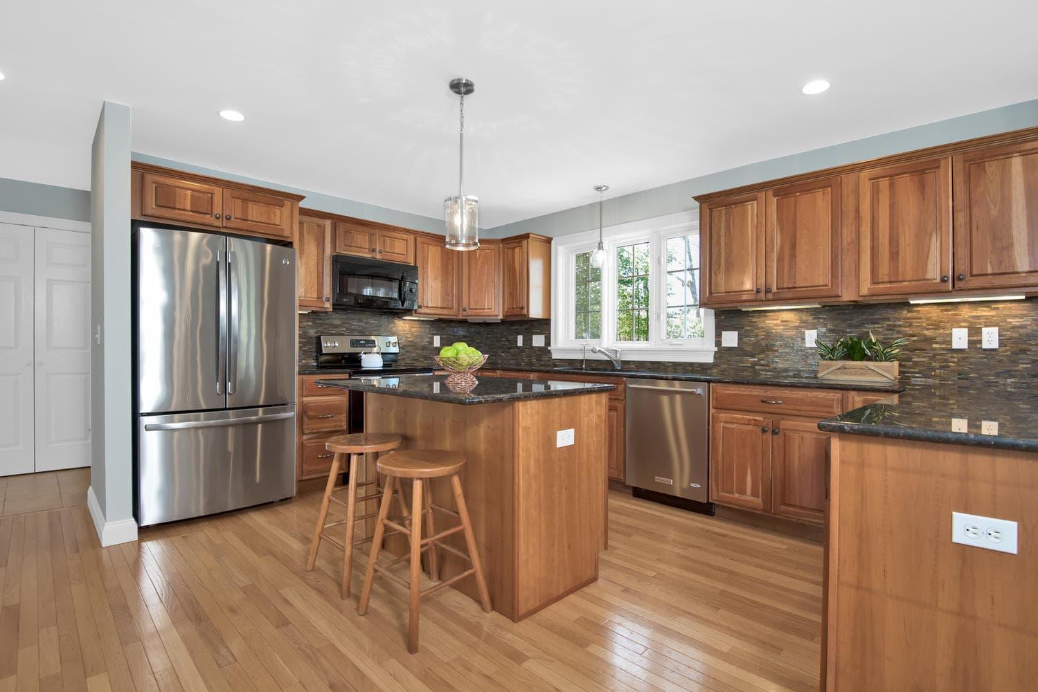 32 Mountview Dr Gorham ME-large-012-28-Kitchen-1499x1000-72dpi_1.jpg