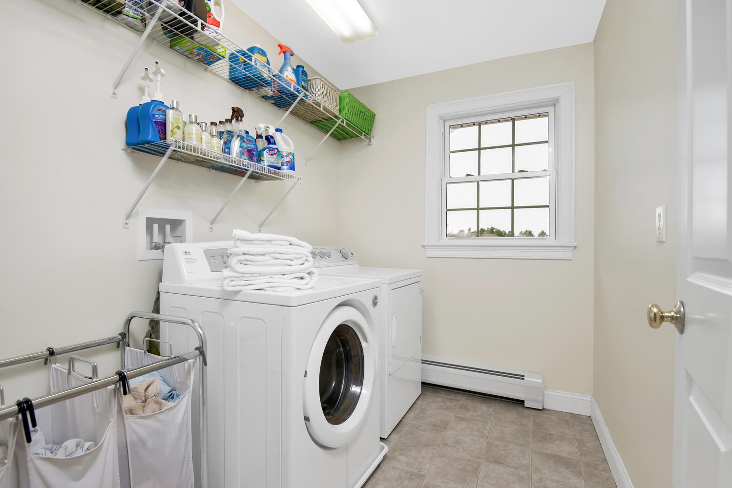 32 Mountview Dr Gorham ME-large-028-37-Laundry Room-1499x1000-72dpi_1.jpg