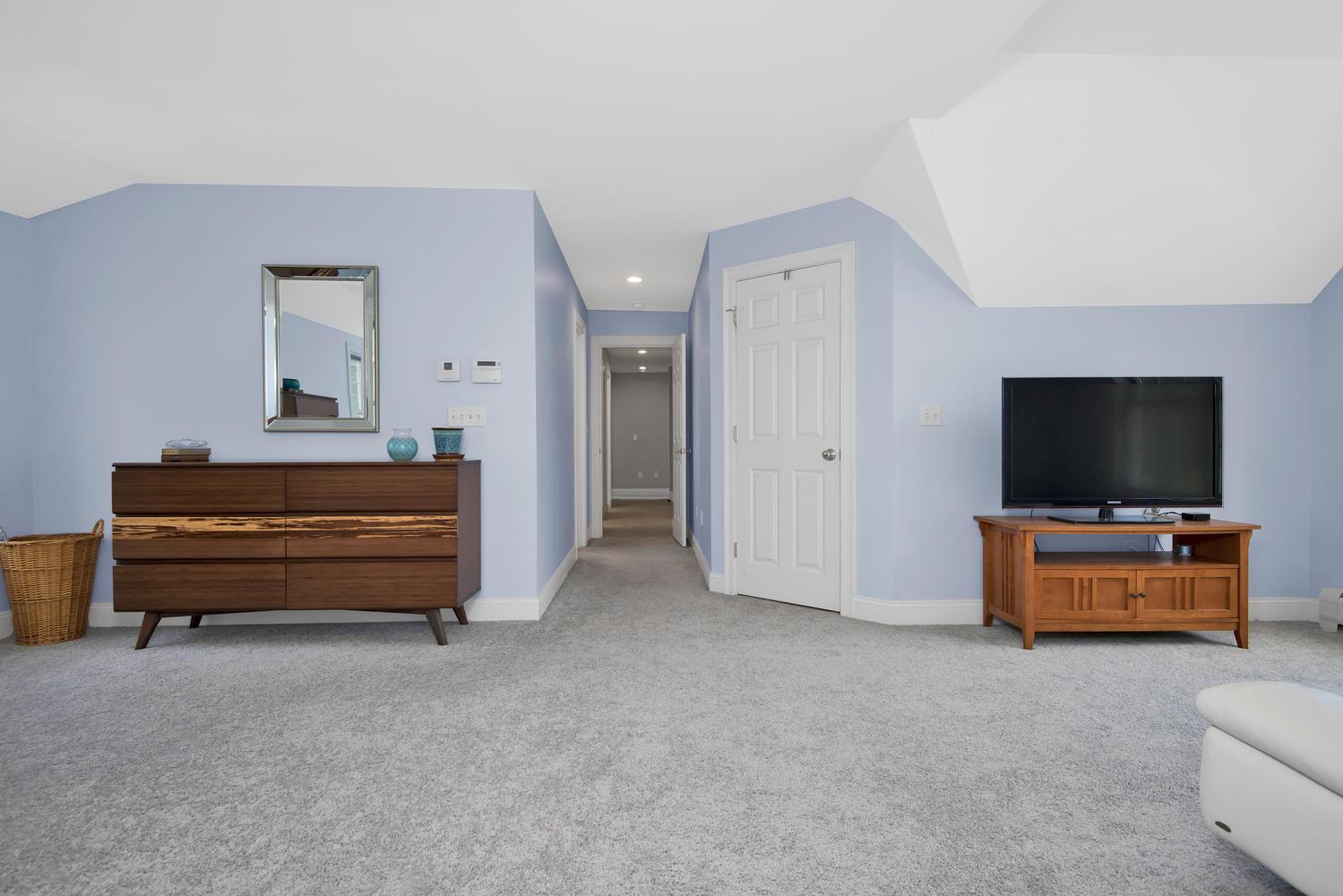 32 Mountview Dr Gorham ME-large-031-40-Master Bedroom-1499x1000-72dpi_1.jpg