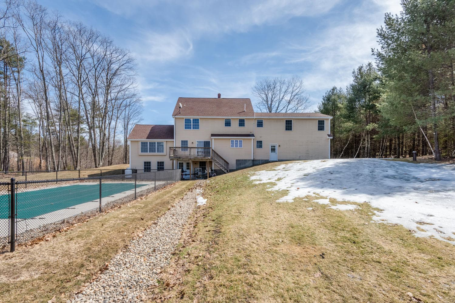 32 Mountview Dr Gorham ME-large-043-6-Back of House-1499x1000-72dpi_1.jpg