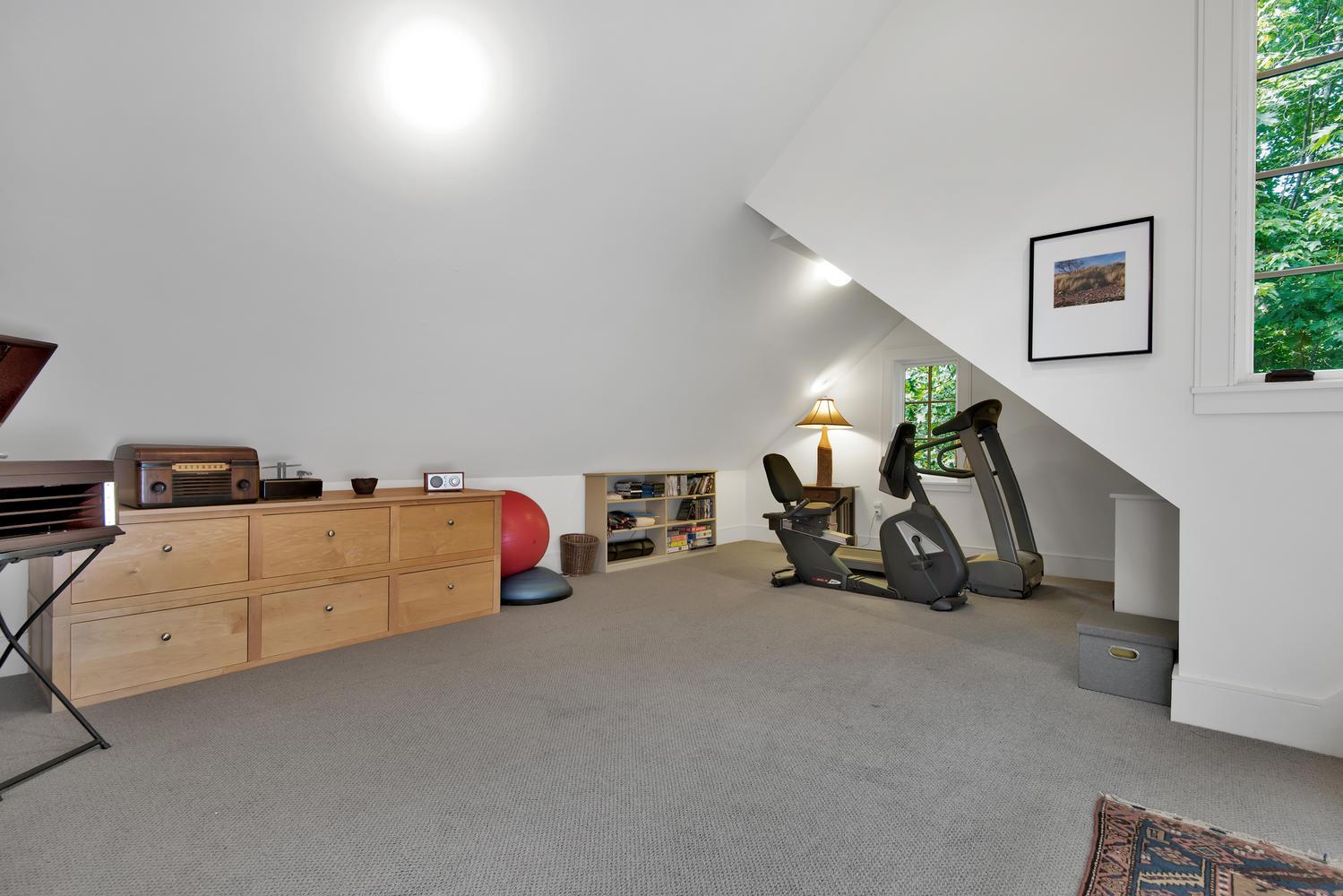 85 Rivers Edge Dr Portland ME-large-034-033-Bonus Room-1499x1000-72dpi_2.jpg