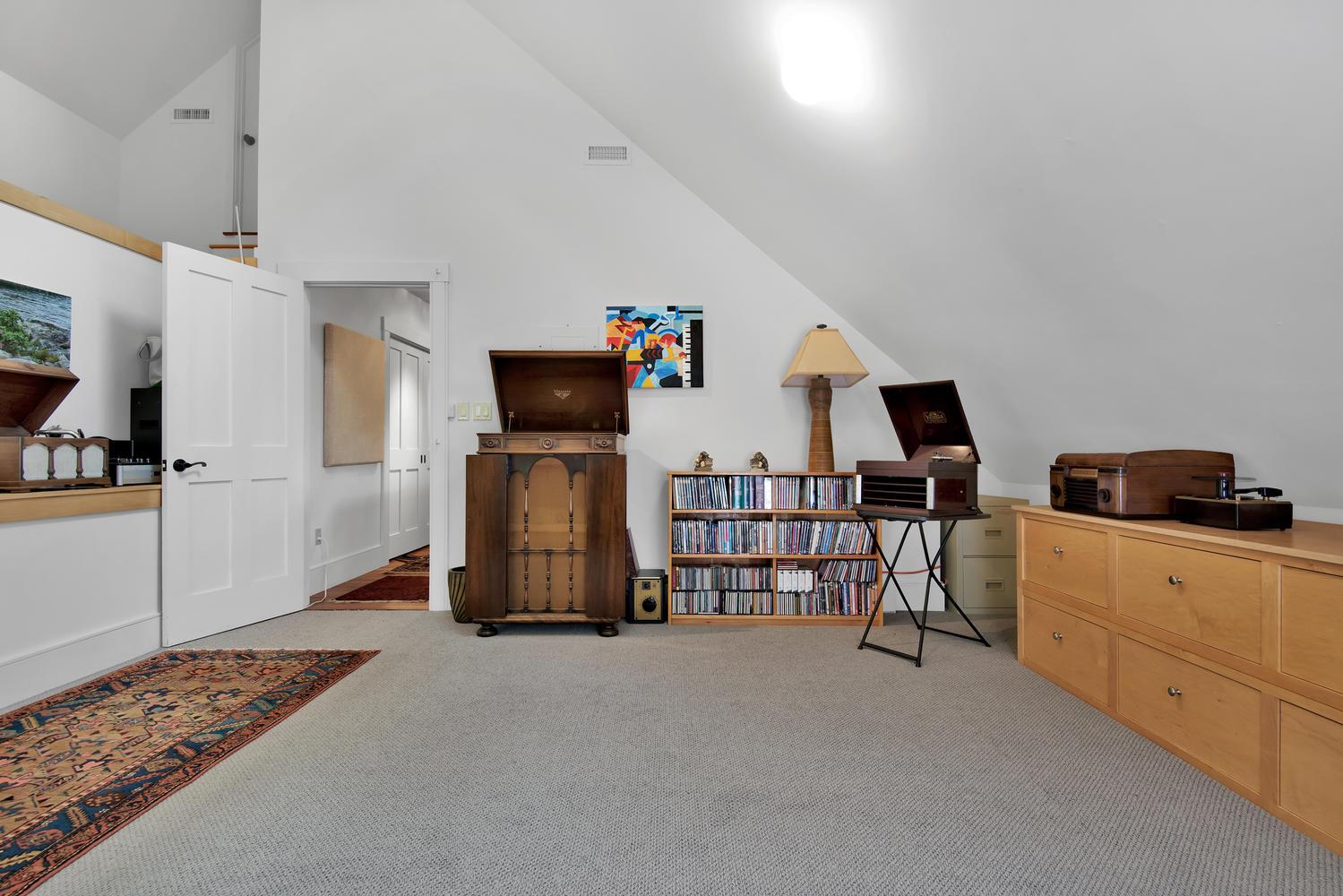 85 Rivers Edge Dr Portland ME-large-035-034-Bonus Room-1499x1000-72dpi_2.jpg