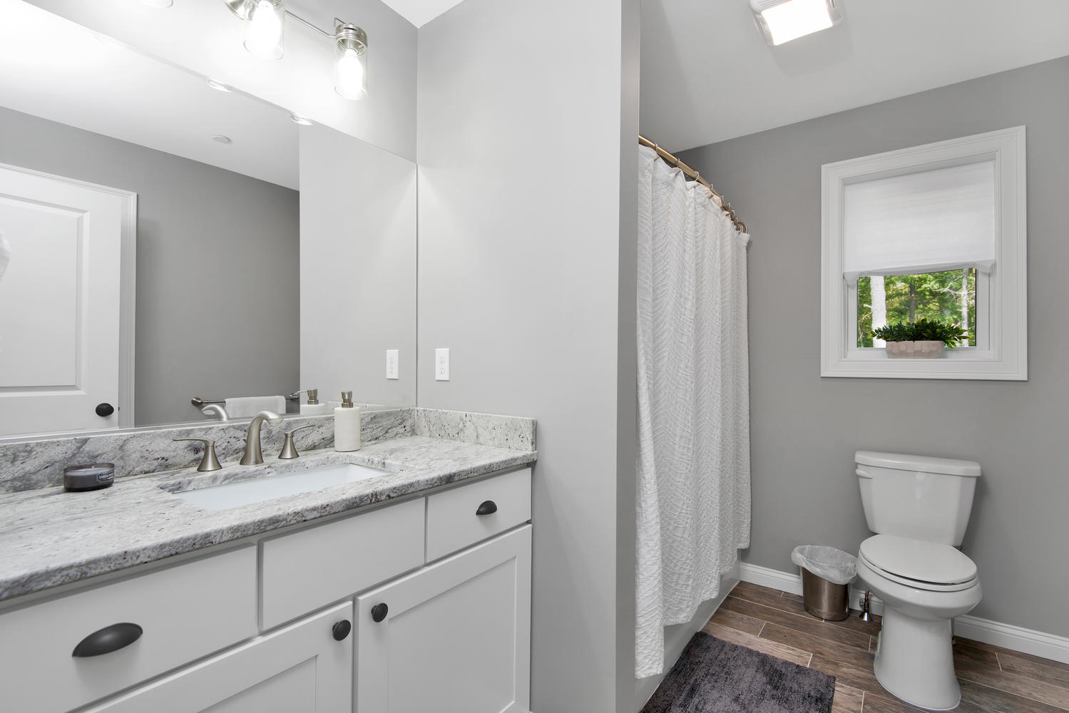 29 Laura Lane Gorham ME 04038-large-020-027-Bathroom-1499x1000-72dpi_1.jpg