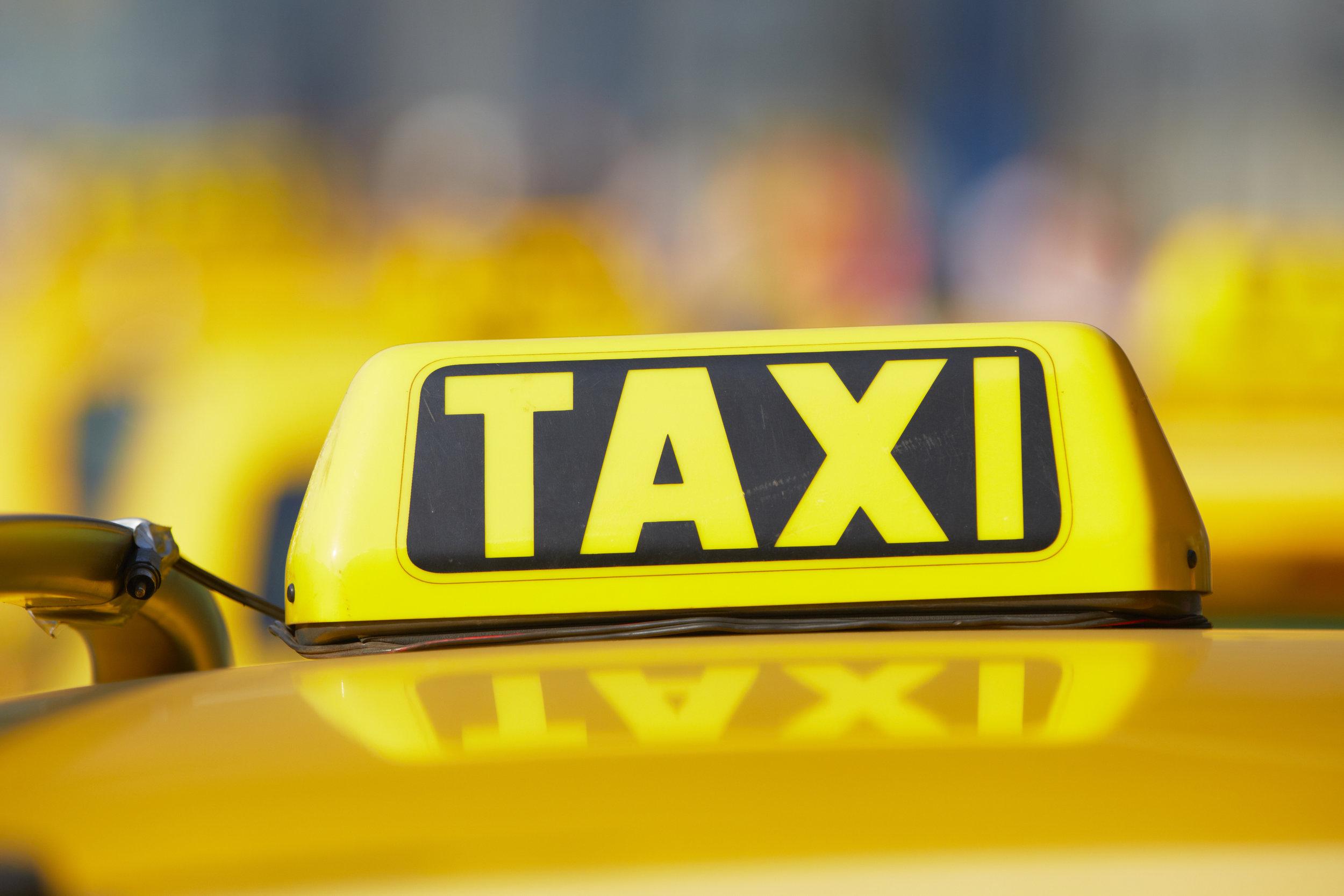 033840500-taxi.jpeg