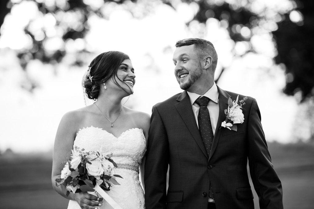 Jackie-Tim-Blue-and-White-Summer-Wedding-in-Rhode-Island_0045-1024x682.jpg