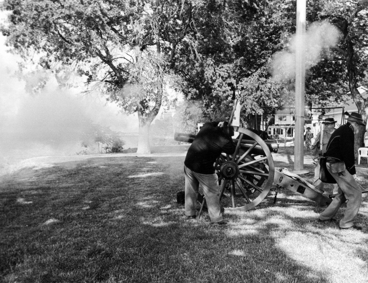 Three-inch gun, 2016 Camp Week.