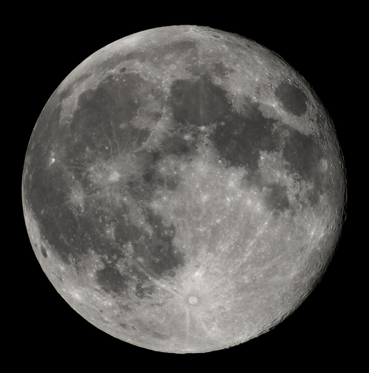 Full_Moon_Luc_Viatour.jpg