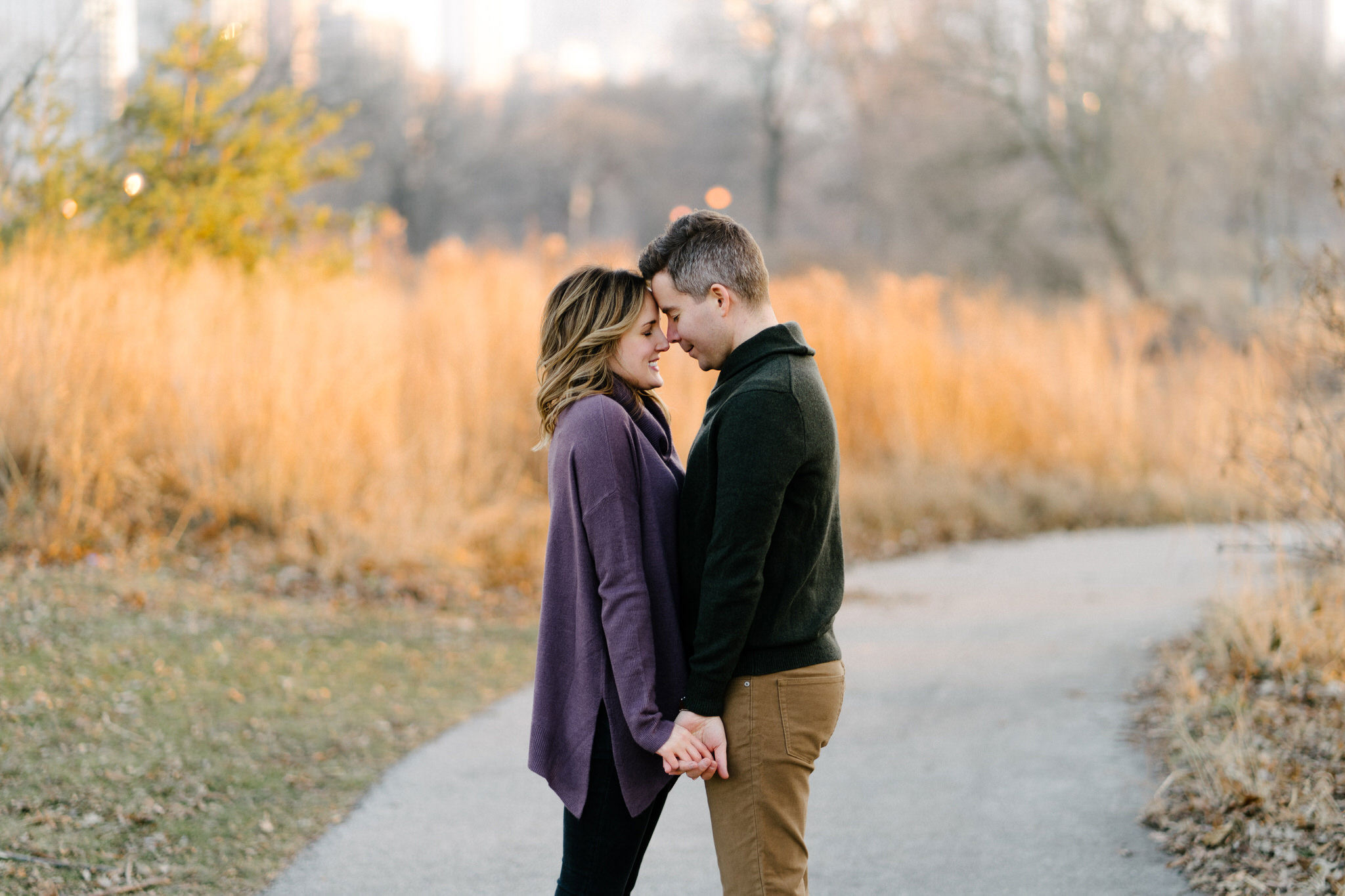 019-rempel-photography-chicago-wedding-photography-christina-paul-lincoln-park-engagement-session-second-city-bar.jpg