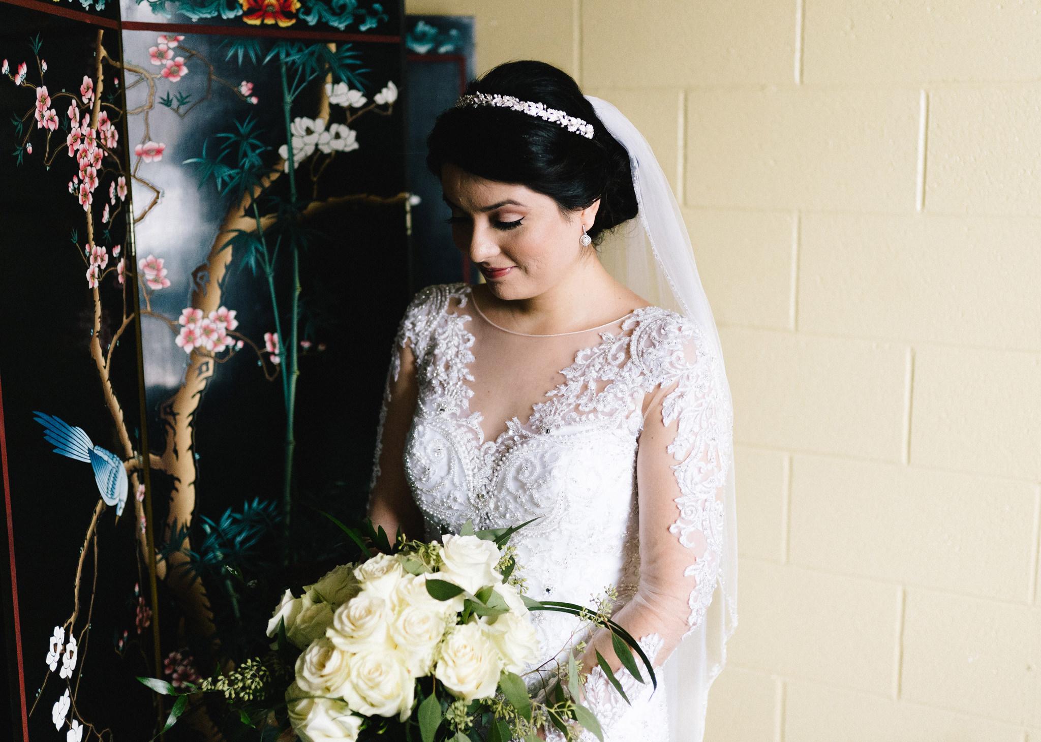 004-rempel-photography-chicago-wedding-inspiration-susan-daniel-michigan-metro-detroit-christian-church-holly-vault-cupcakes-and-kisses.jpg