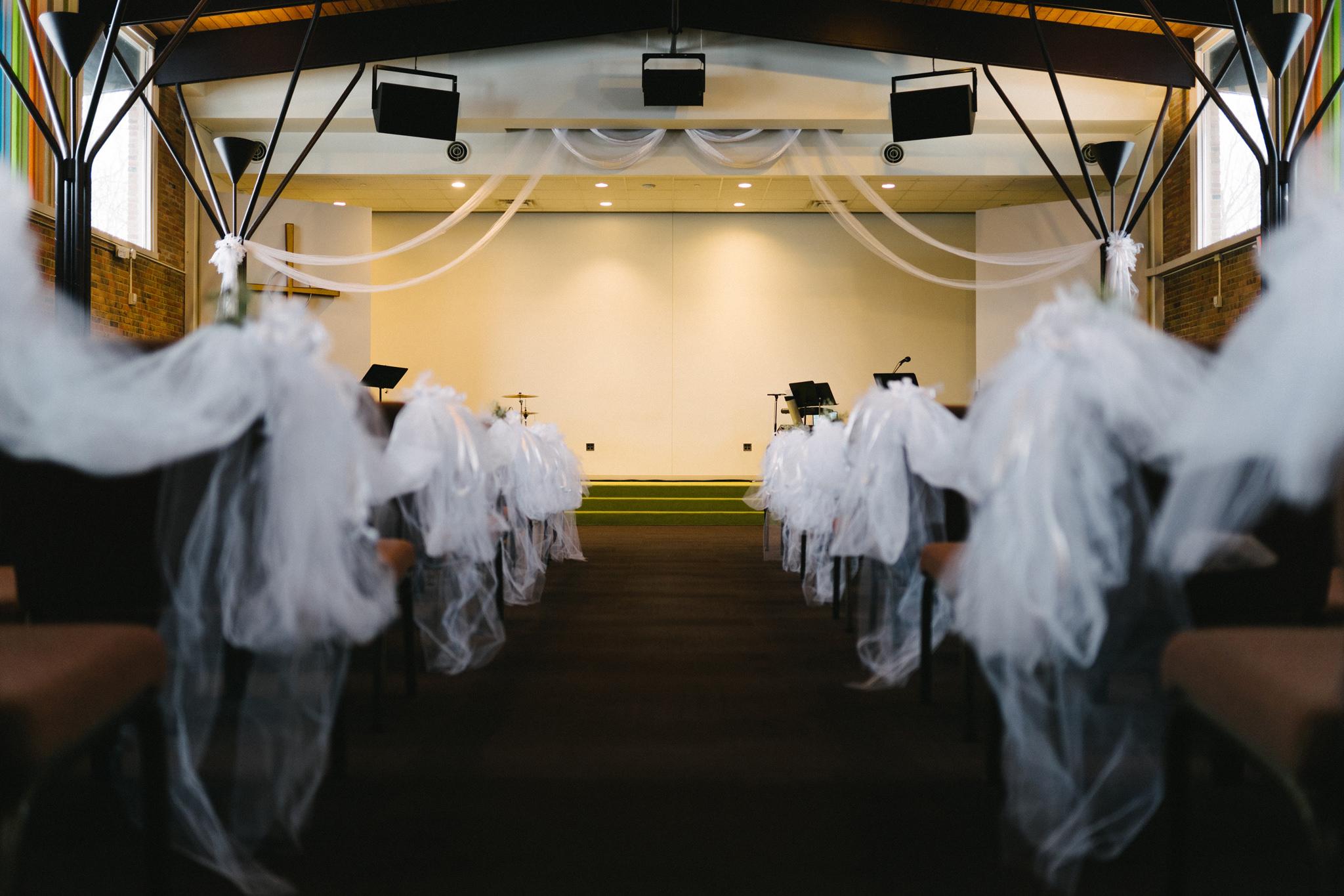 010-rempel-photography-chicago-wedding-inspiration-susan-daniel-michigan-metro-detroit-christian-church-holly-vault-cupcakes-and-kisses.jpg