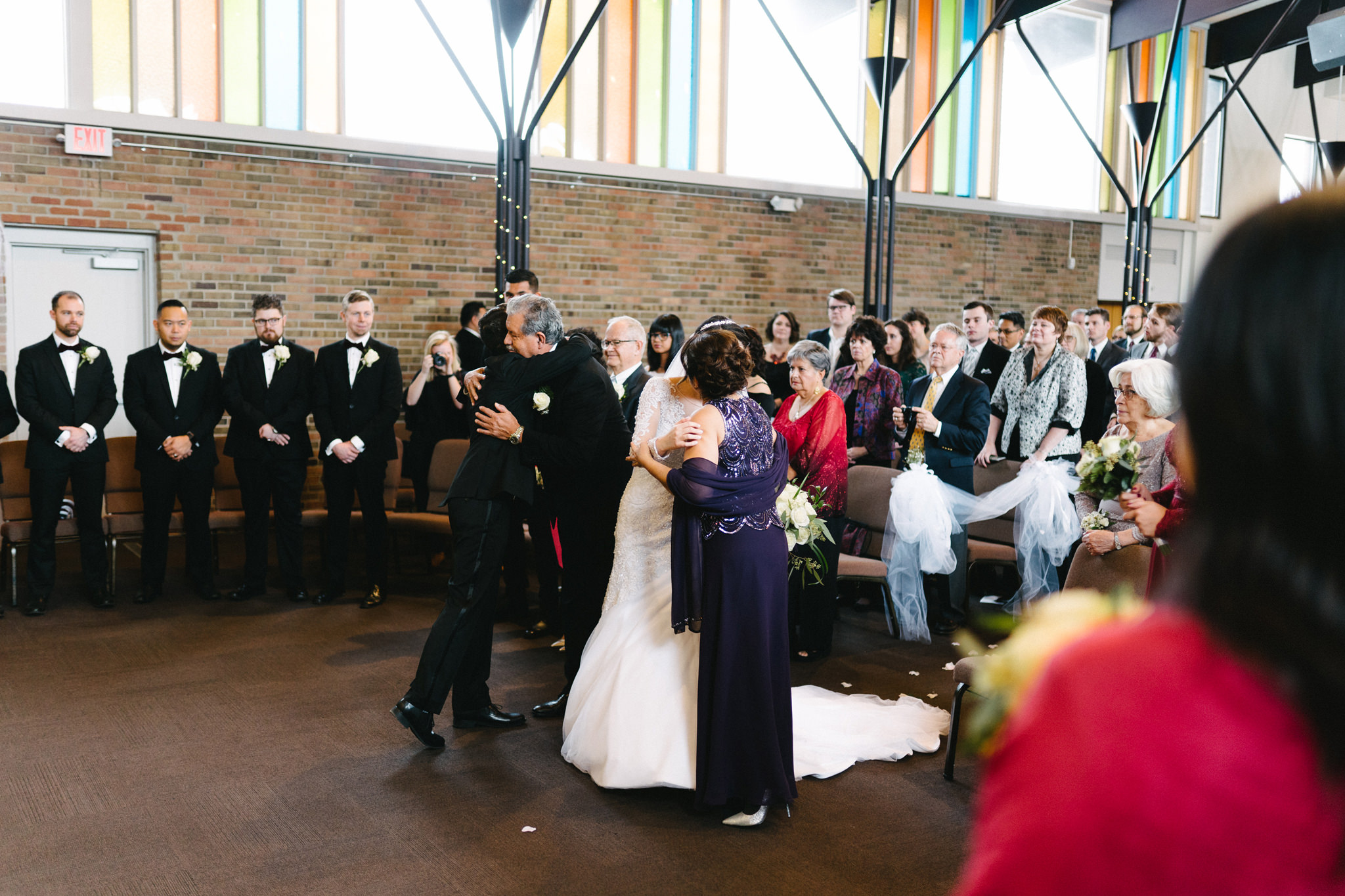 014-rempel-photography-chicago-wedding-inspiration-susan-daniel-michigan-metro-detroit-christian-church-holly-vault-cupcakes-and-kisses.jpg