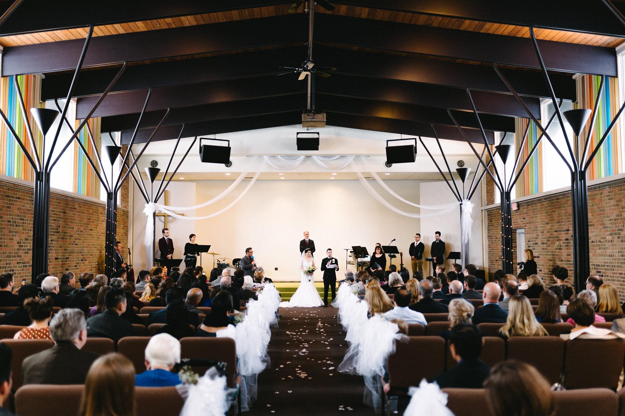 015-rempel-photography-chicago-wedding-inspiration-susan-daniel-michigan-metro-detroit-christian-church-holly-vault-cupcakes-and-kisses.jpg