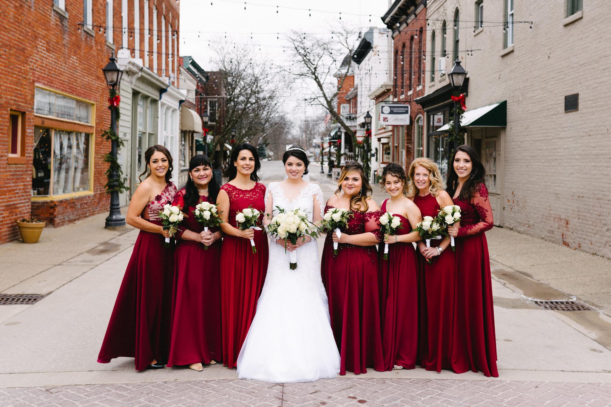 031-rempel-photography-chicago-wedding-inspiration-susan-daniel-michigan-metro-detroit-christian-church-holly-vault-cupcakes-and-kisses.jpg