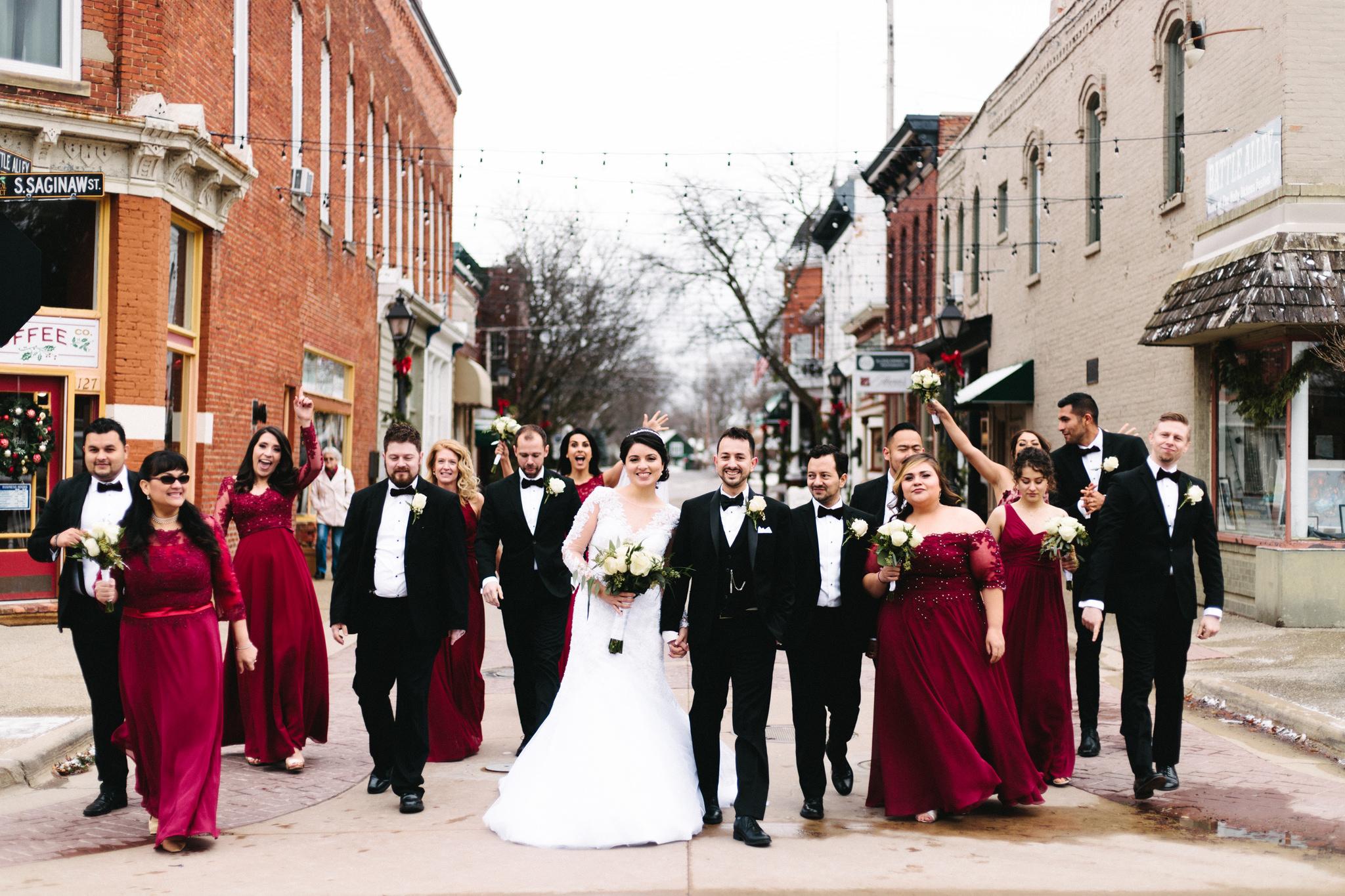 034-rempel-photography-chicago-wedding-inspiration-susan-daniel-michigan-metro-detroit-christian-church-holly-vault-cupcakes-and-kisses.jpg