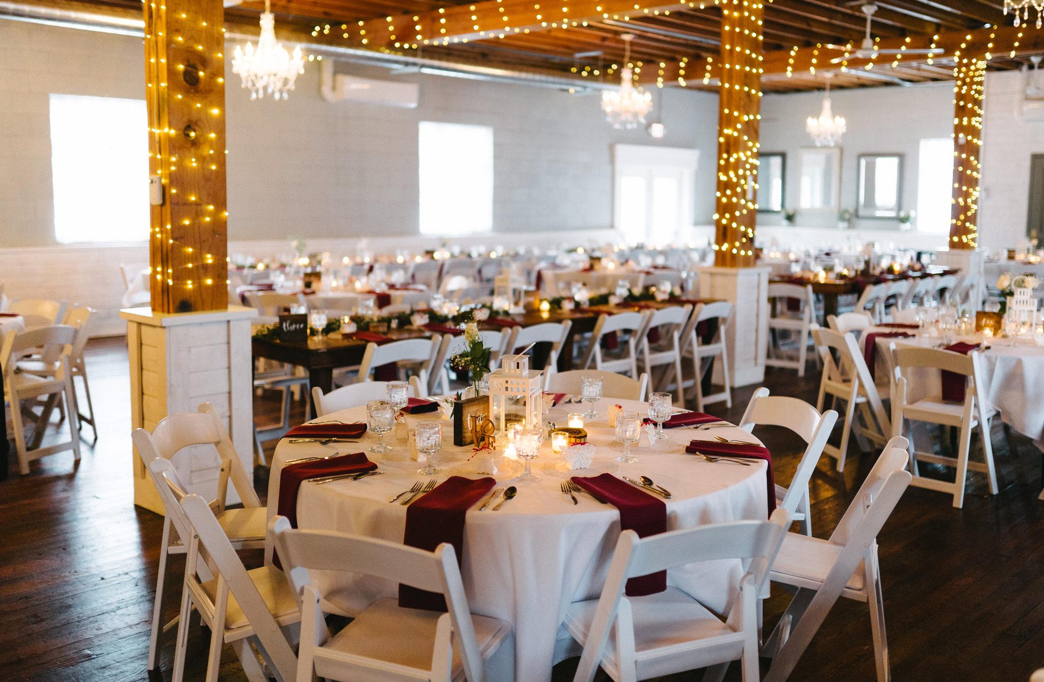 035-rempel-photography-chicago-wedding-inspiration-susan-daniel-michigan-metro-detroit-christian-church-holly-vault-cupcakes-and-kisses.jpg