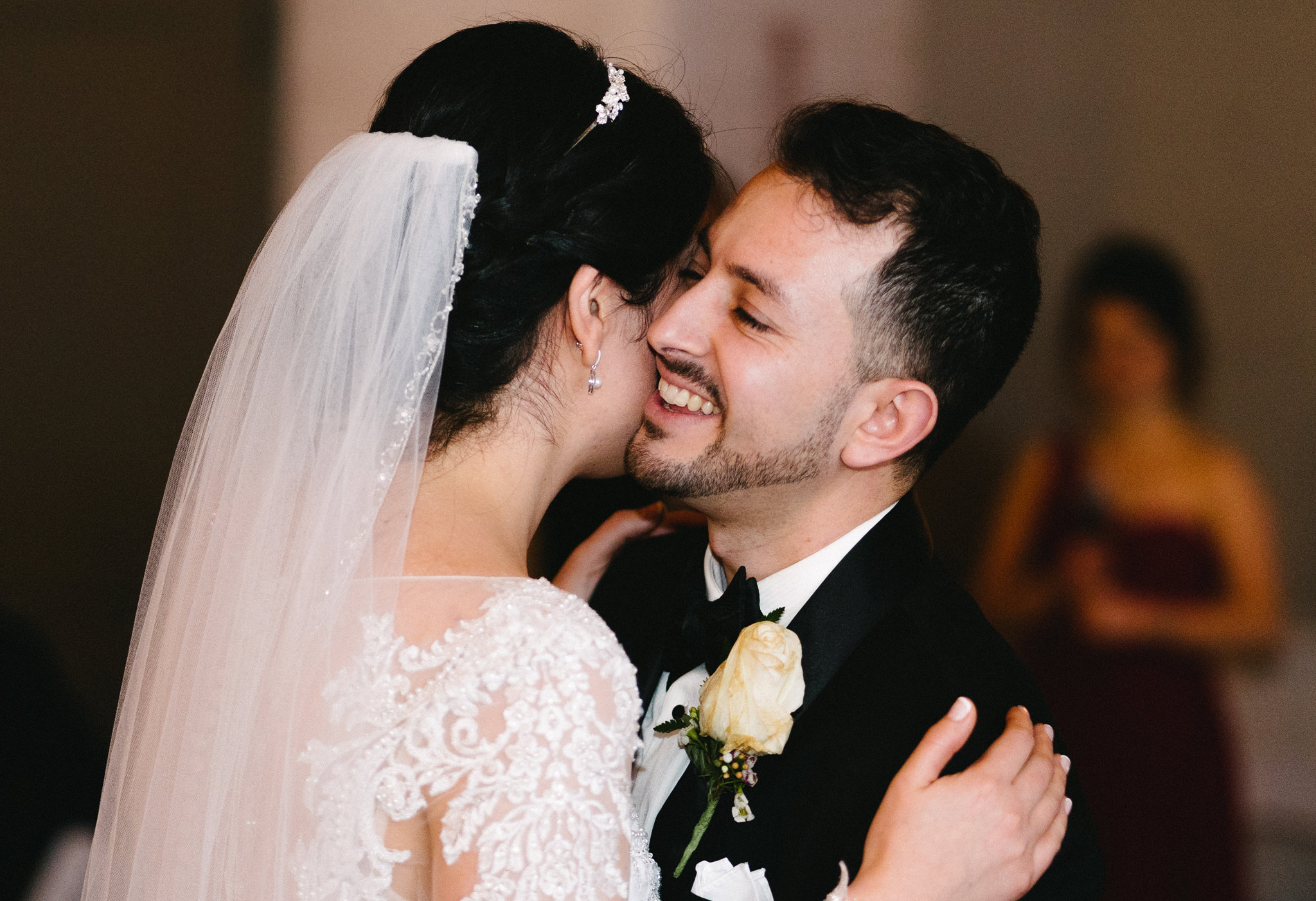 044-rempel-photography-chicago-wedding-inspiration-susan-daniel-michigan-metro-detroit-christian-church-holly-vault-cupcakes-and-kisses.jpg