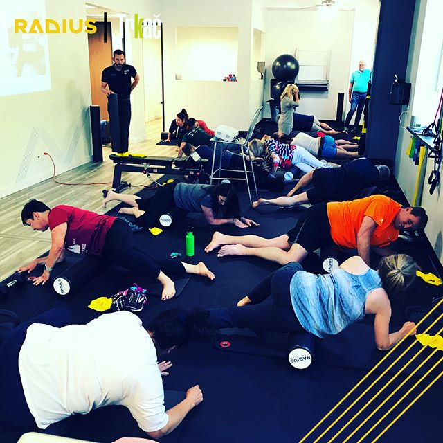 We had a full clinic of @trkacrunning 🏃‍♂️runners🏃‍♀️ and friends last night! Learning all about preventing common running aches, pains and injuries. #knowledgeispower This was a FREE workshop, learn more about how Radius can support your team, club, or workplace with a free workshop: https://www.radiusclinic.com/events/ #running #triathlon #runningislife #swimbikerun #injuryprevention #sportsrehab #grassvalley #nevadacity #event