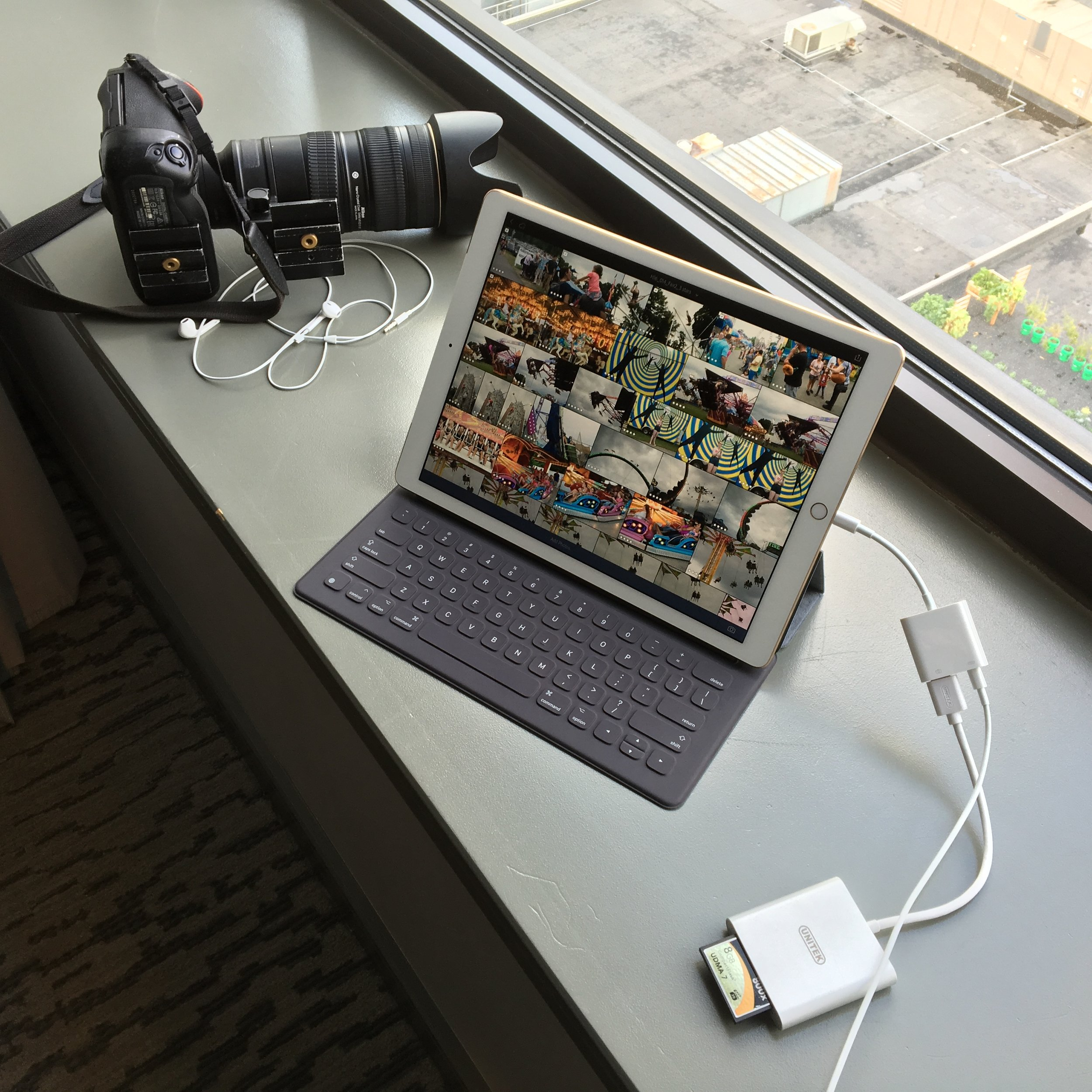 Downloading CF card w/Raw files in hotel rom using Apple Camera Connector Adaptor