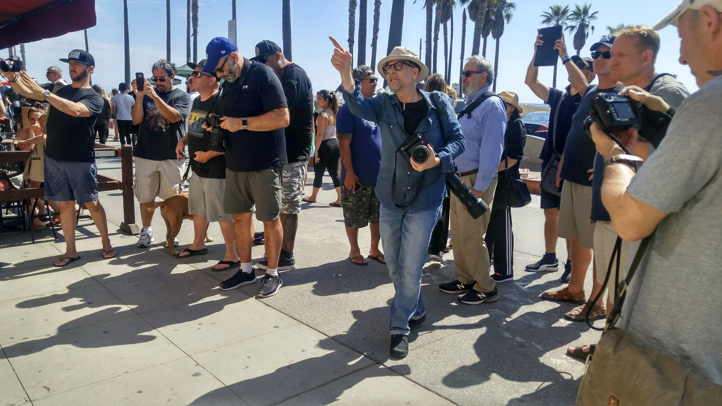 Shooting Leica SL's with my class at Venice Beach outside Juice Magazine.    Photo by Yvette Trinh/Leica