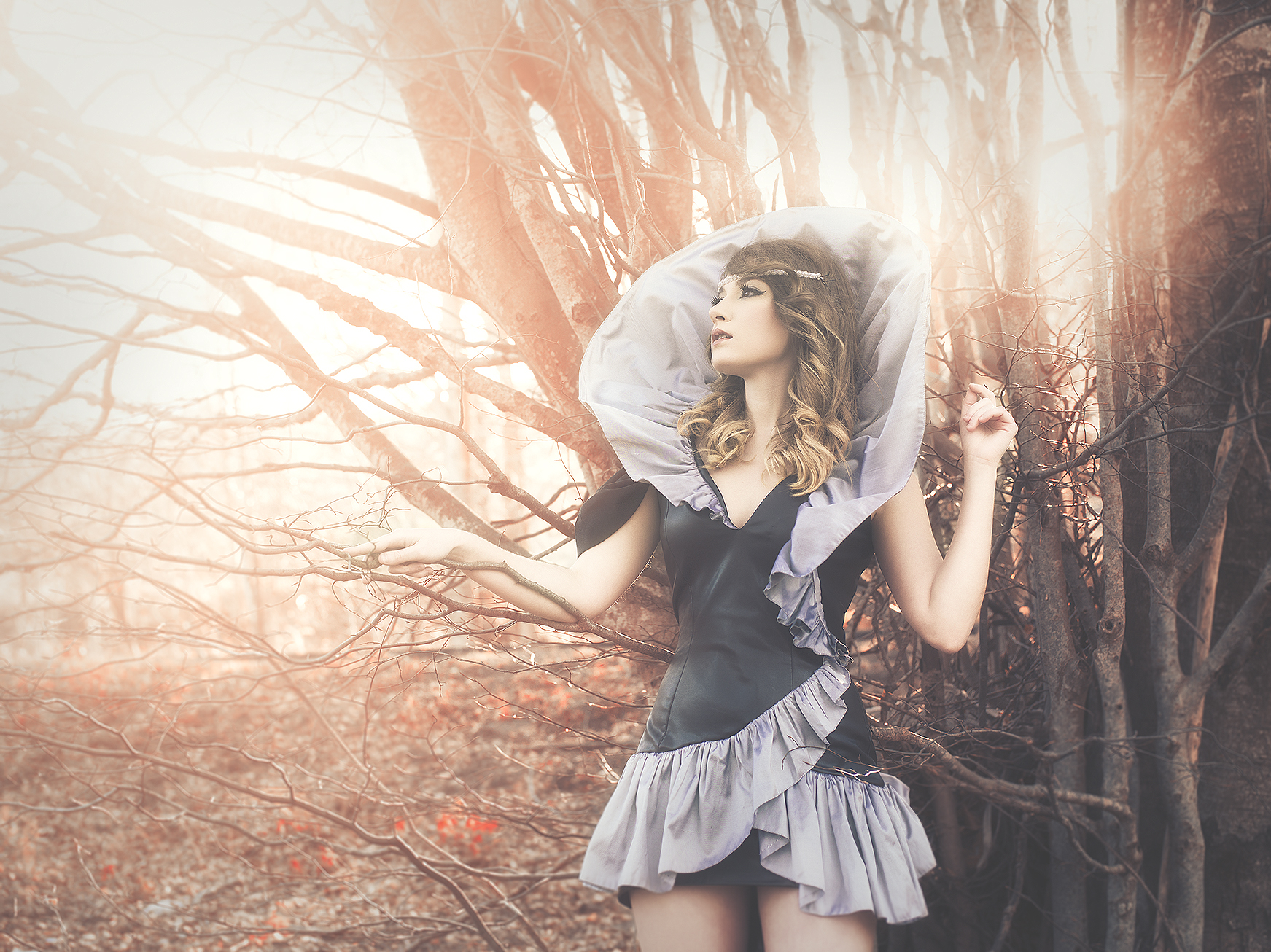 Model: Elia Carpio  Make-up: Alassie Styling: Avalon Saez  Photo/Edition: RebecaSaray with Pentax645D