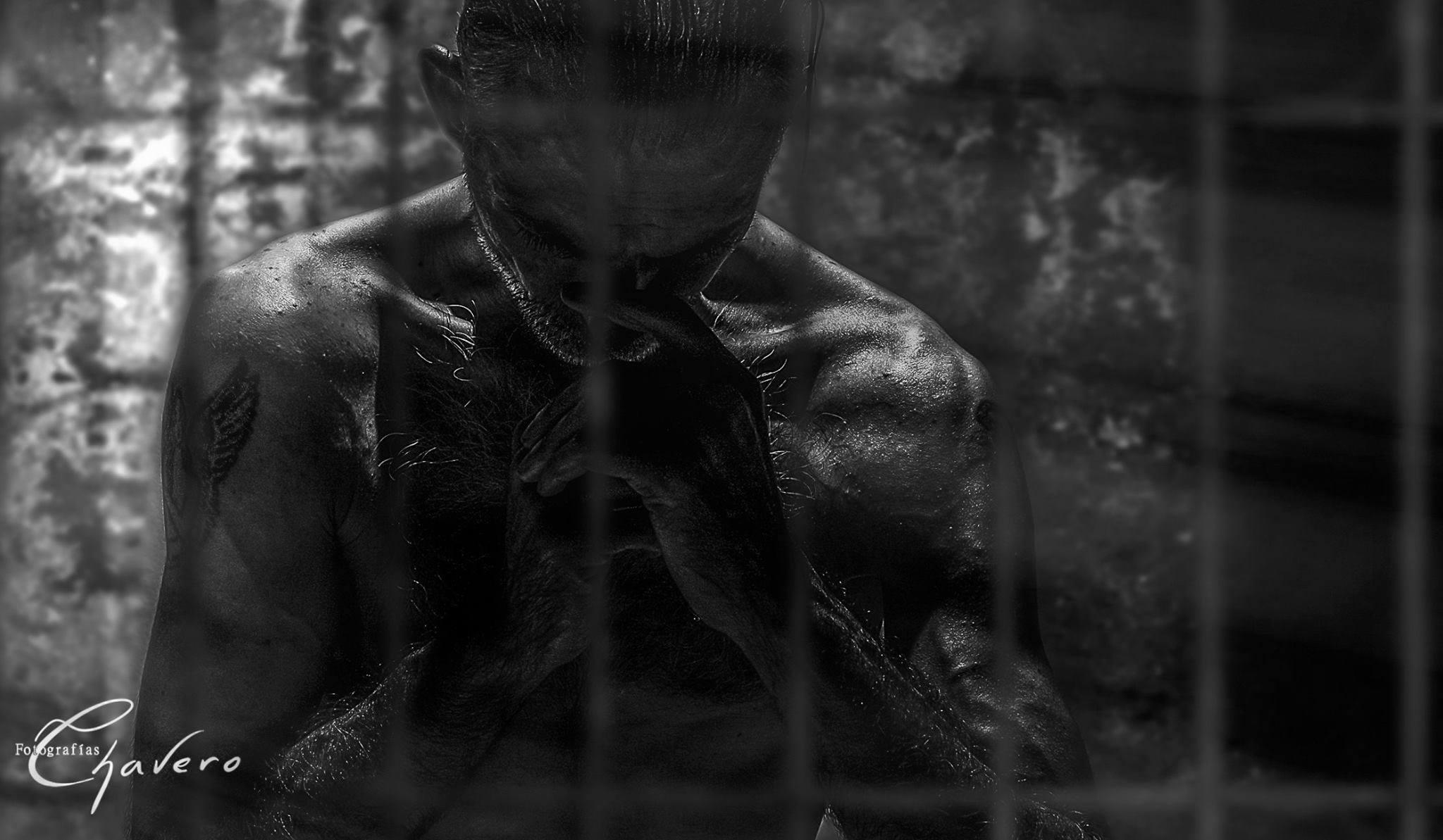 Y esta ha sido una de mis elecciones ganadores y creo que es obvio el motivo, un blanco y negro impresionante y una fotografía con una fuerza que te llega al corazón. Su creador es  Jose Luis Chavero Muchísimas felicidades! es un FOTÓN GANADORA #17INDEFENSO