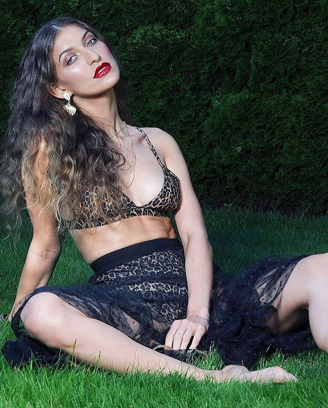 Happy Friday 💕💕💕 . . . . . Model @alexx.fernaandez  Photographer @suzylabbephotos  MUAH @shannondeao_makeupartist  Stylist @pdxstylingservices  Photo Assistant @kolumnfive . . . . #nukeswimwear #pdxartists #summer #bikini #leopardprint