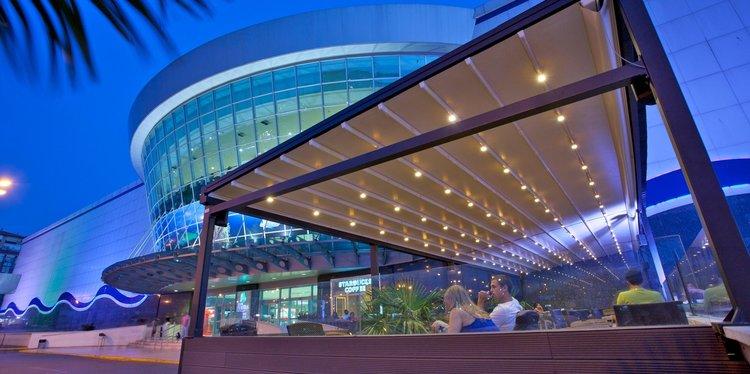 Awnings-Brisbane-Retractable-Motorised-awning-outdoor-pergola-shade-blind-screen-2.jpg